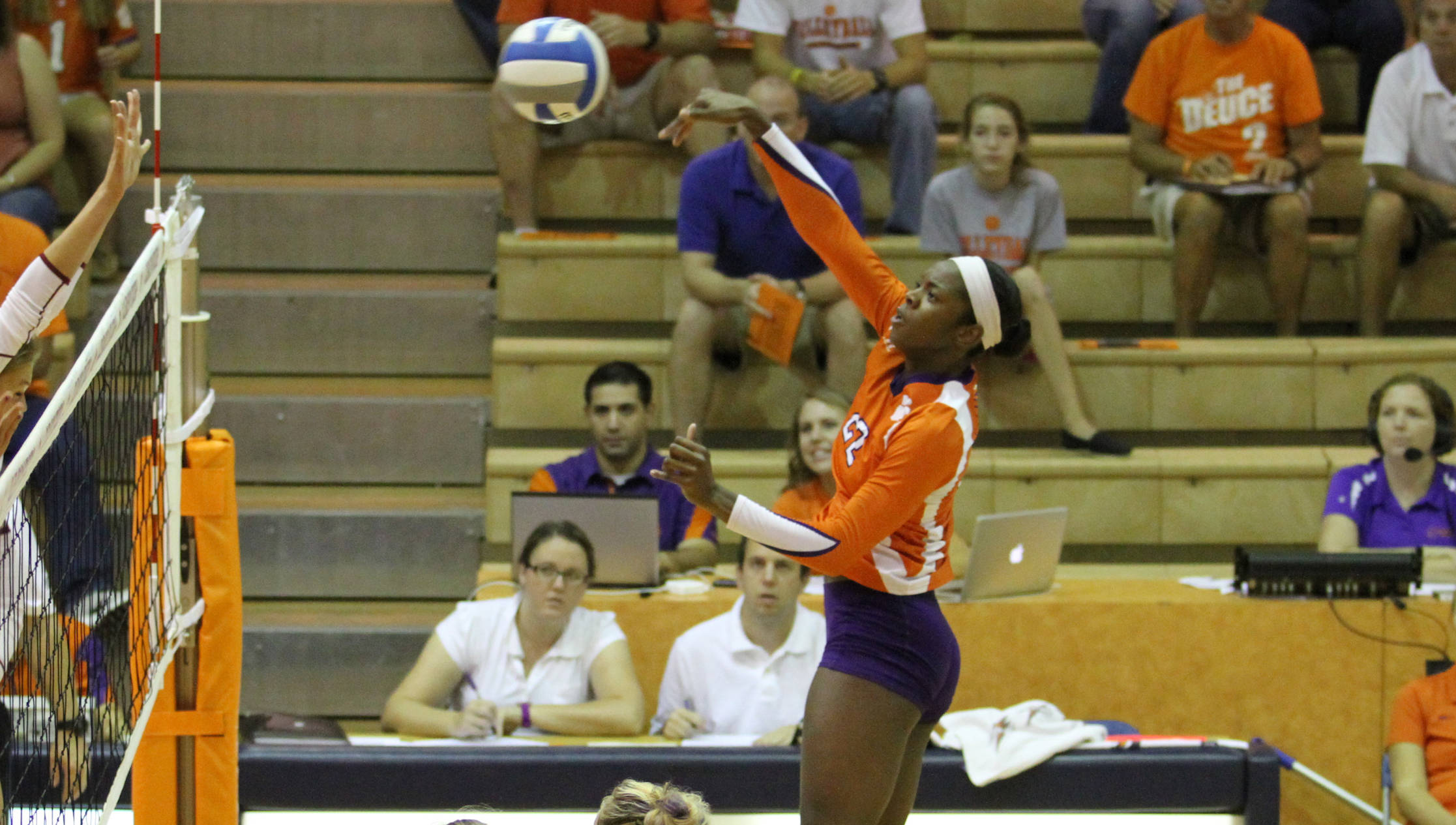 Simmons' Big Night Lifts Tigers in Five at Virginia Tech