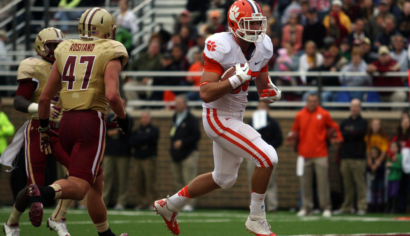 Cooper, Kelly Suffer Torn ACL Injuries