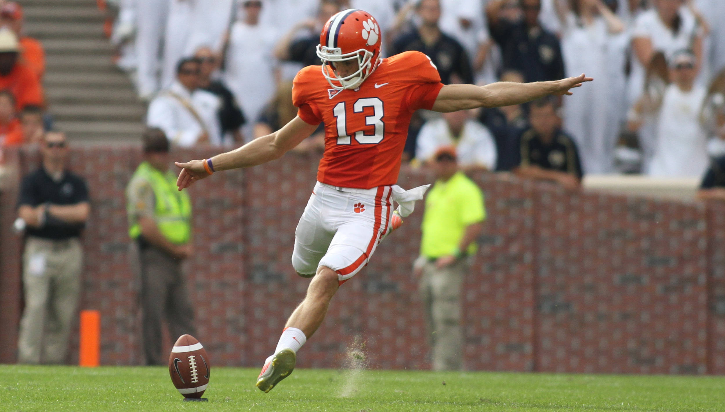 Clemson Football Video Report: On the Road with Spencer Benton