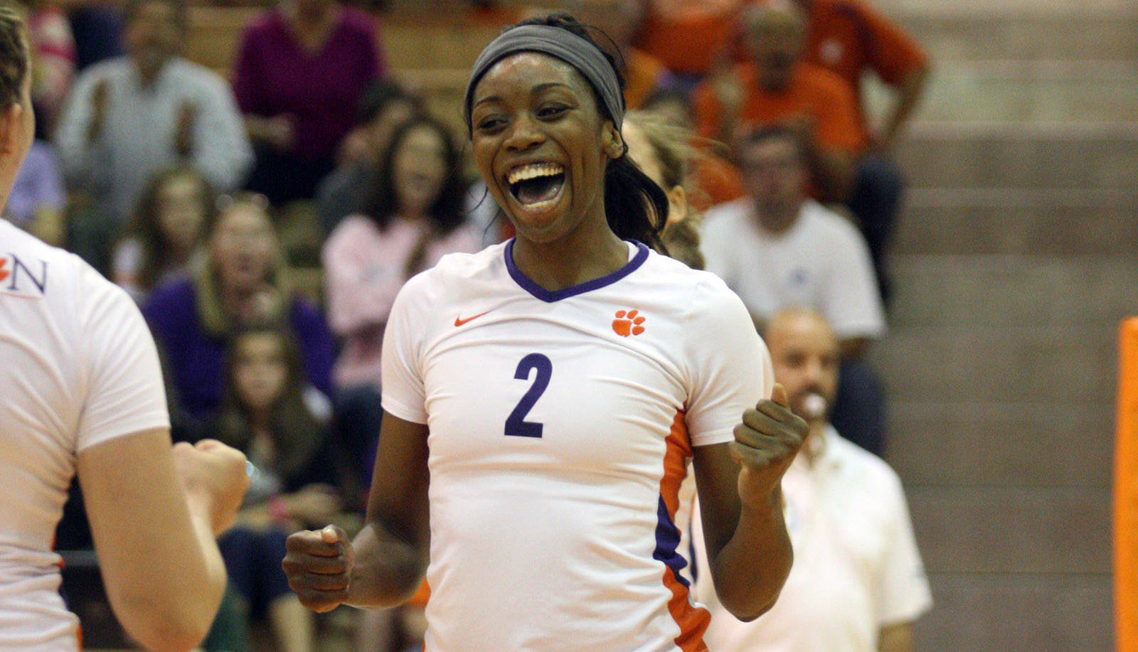 Volleyball Tops Virginia in Four