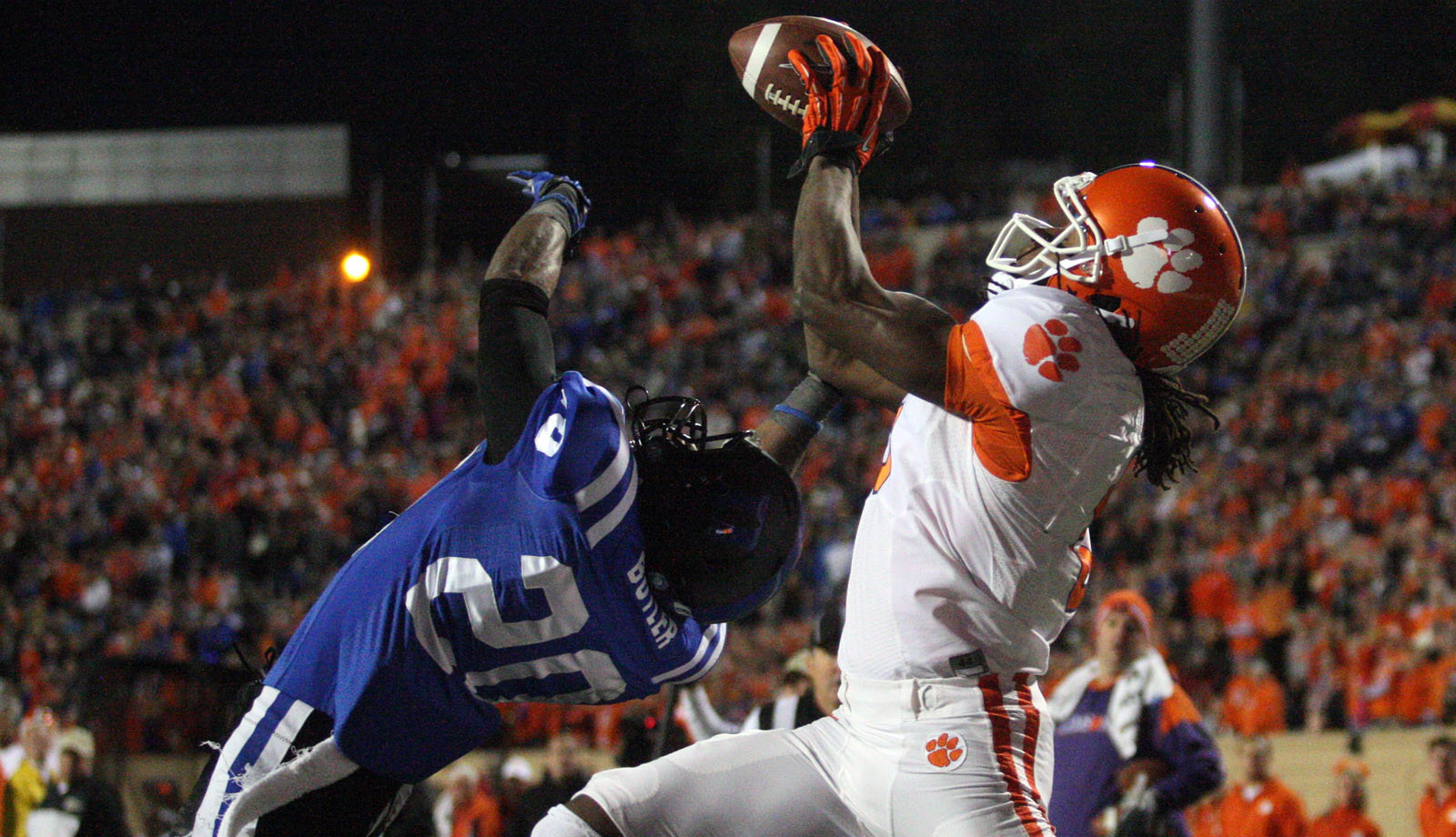 Another Offensive Outburst Fuels Win at Duke