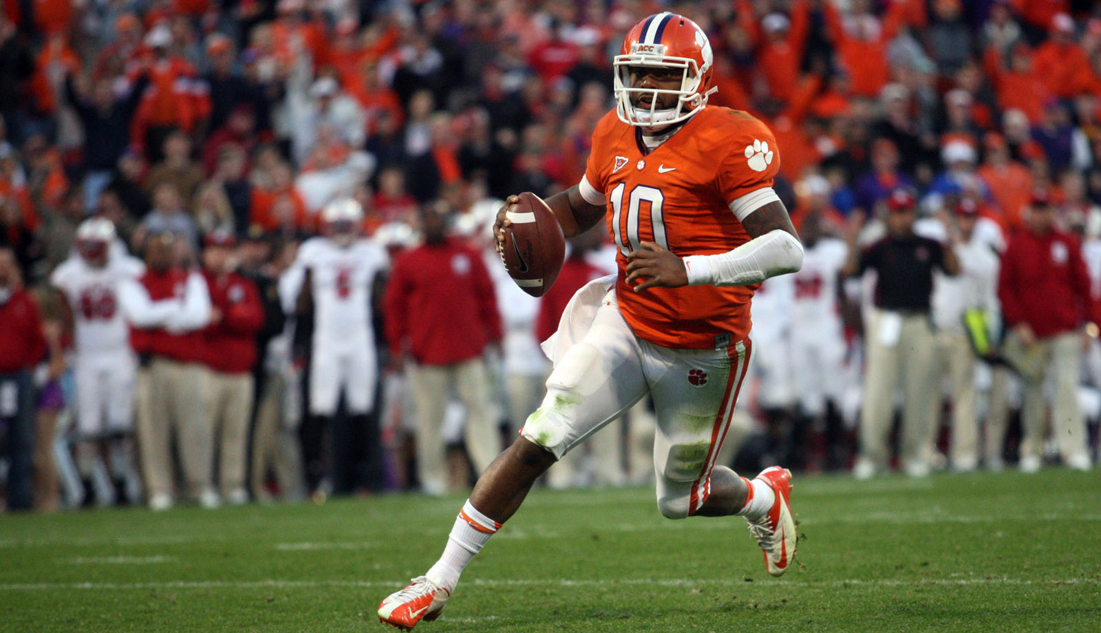 Six Clemson Offensive Players Named First-Team All-ACC