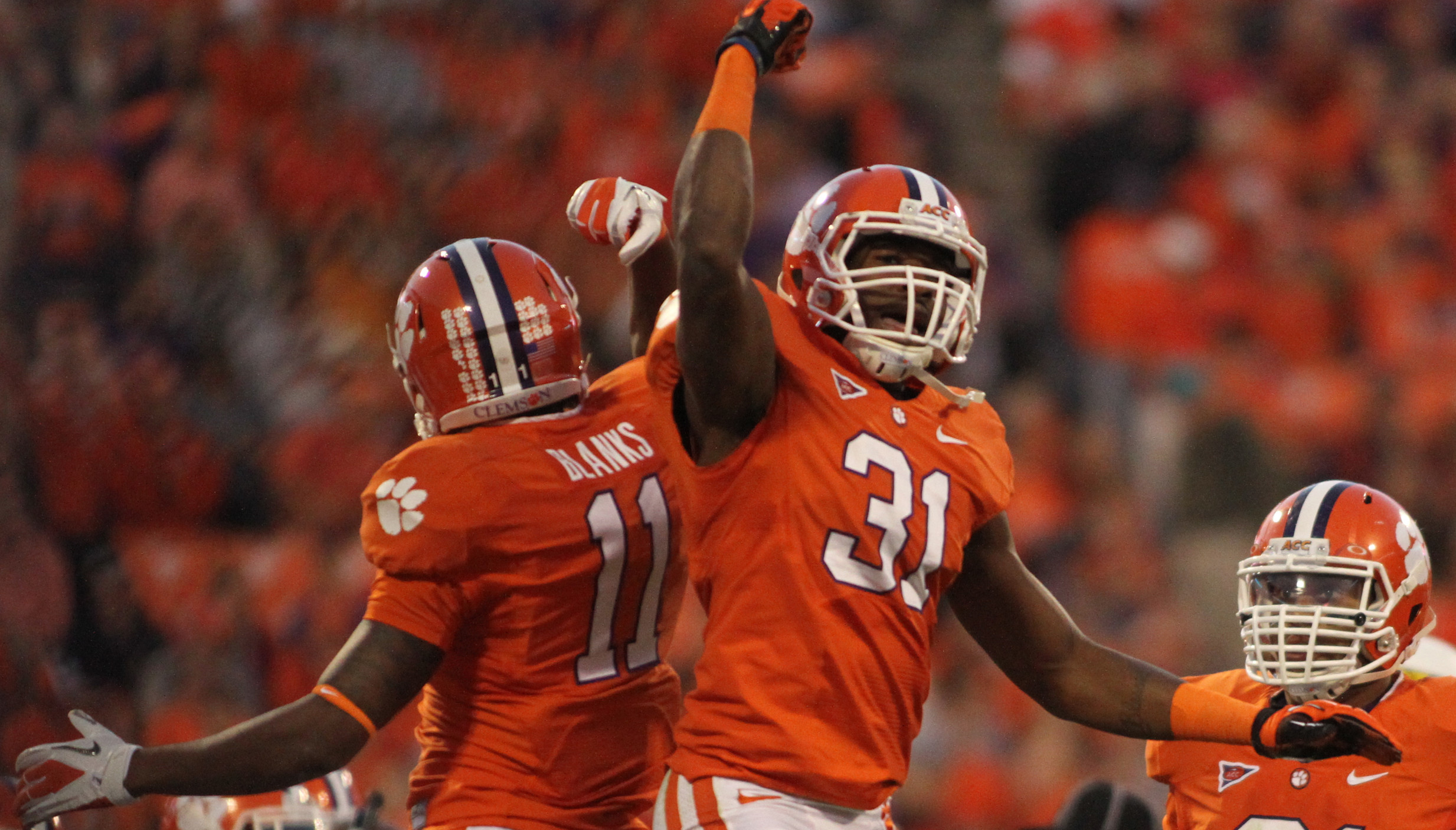 Clemson Football Video Report: Happy Holidays from the Tigers