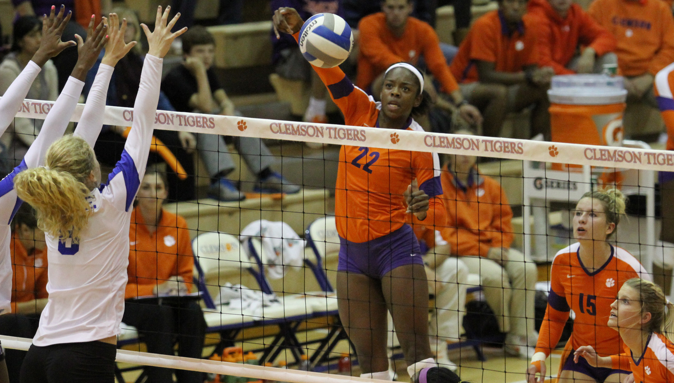 Clemson Takes Down South Carolina, 3-1, on Friday