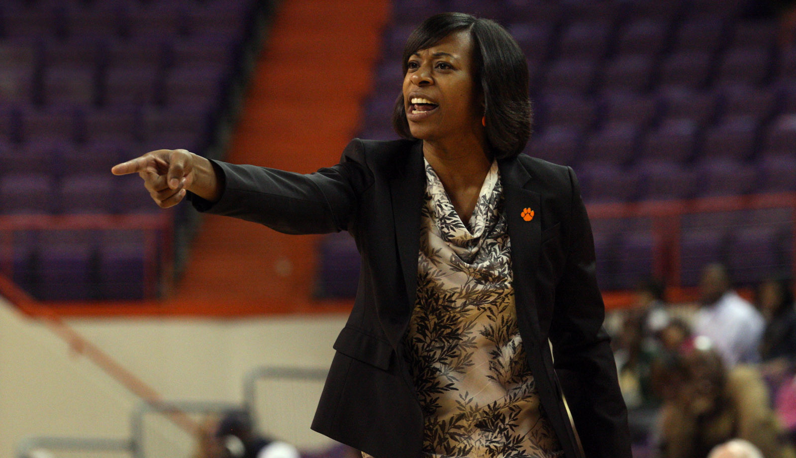 Women's Basketball Travels to Columbia to take on Gamecocks