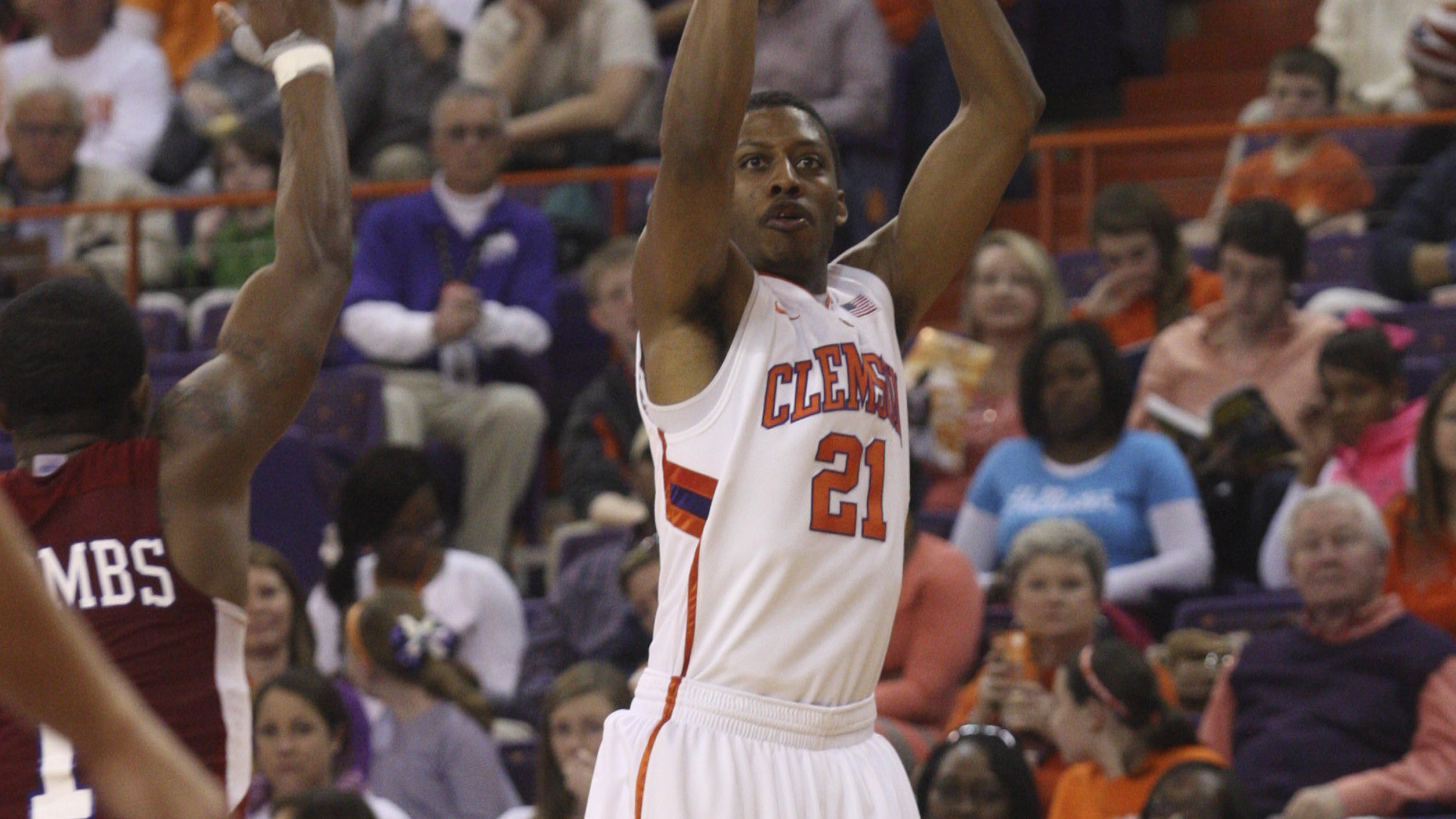 Clemson Uses 21-2 Run to Bury SC State in 77-41 Victory Sunday