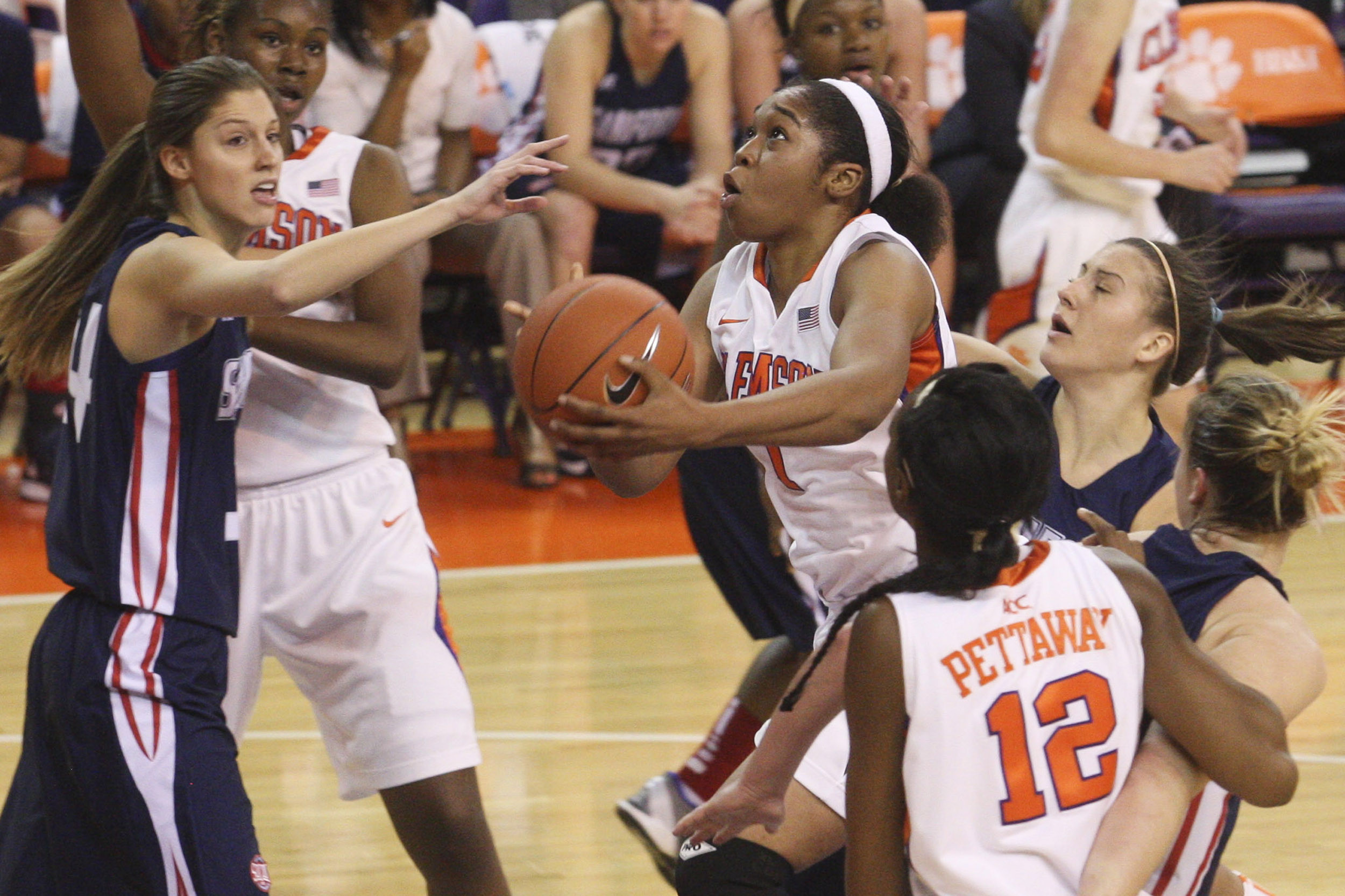 Clemson's Win Streak Hits Three After 63-51 Victory over Samford
