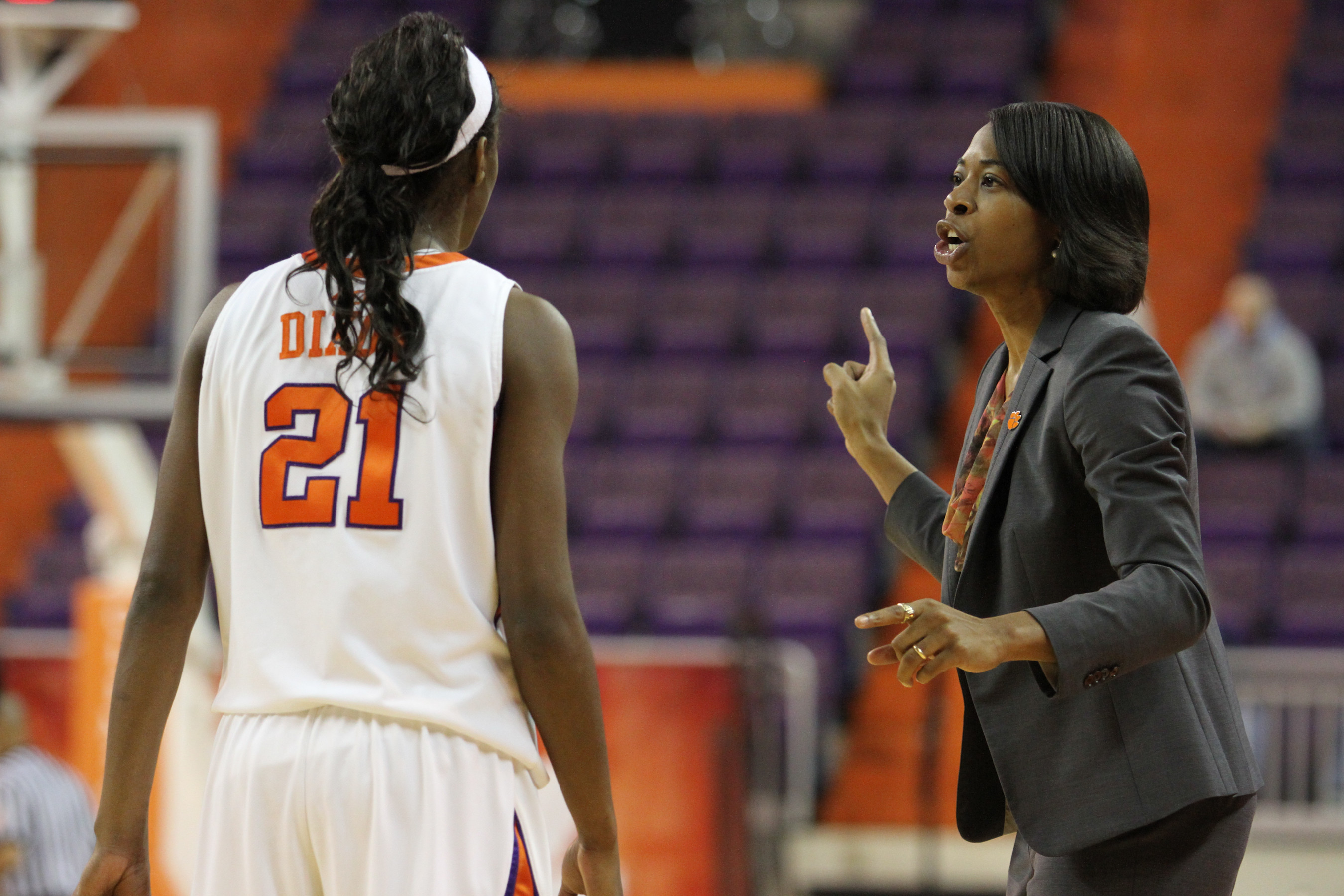 Lady Tigers Fall at Miami on Thursday