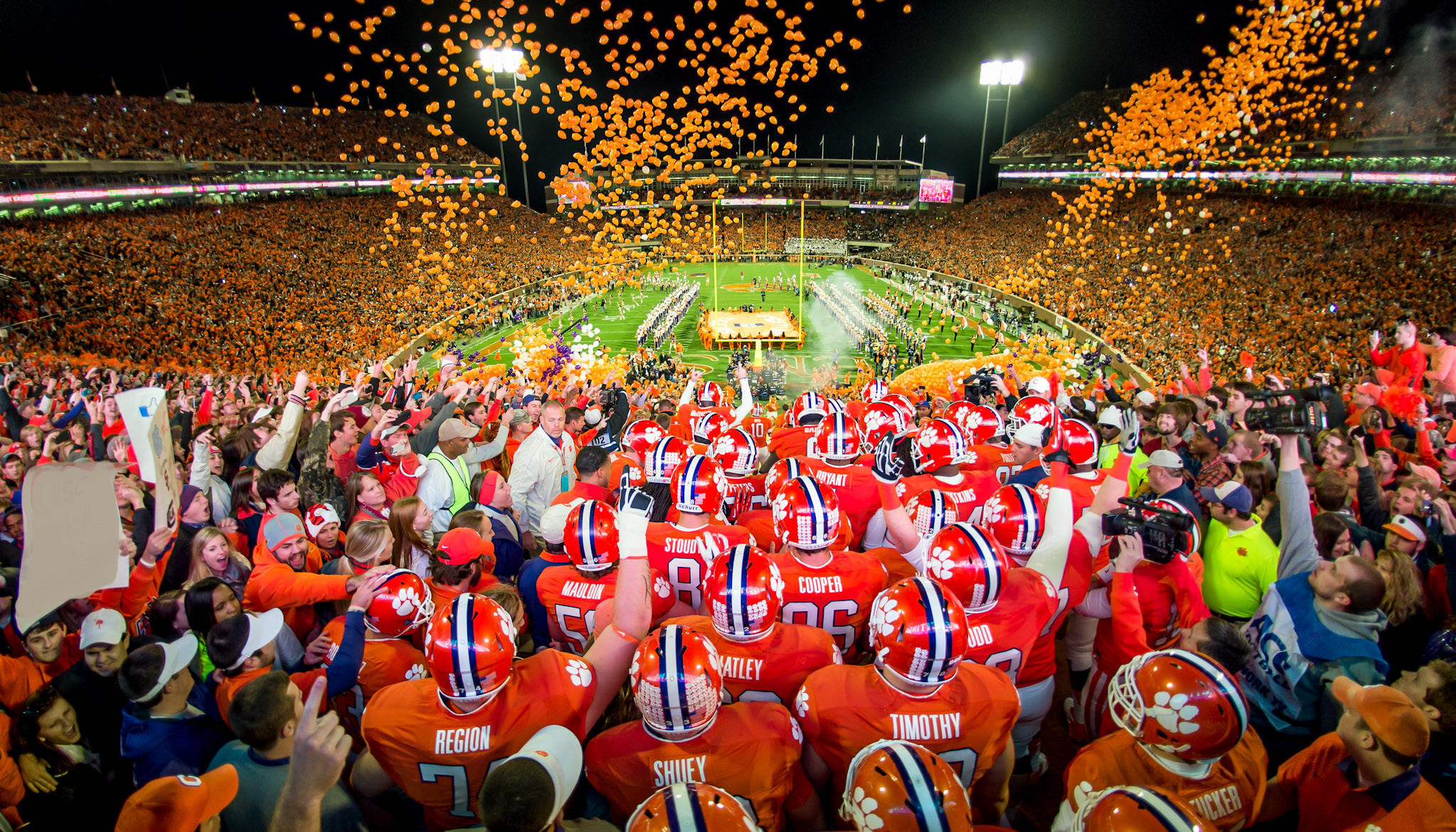 Clemson Football Video Report: Holiday Service Project