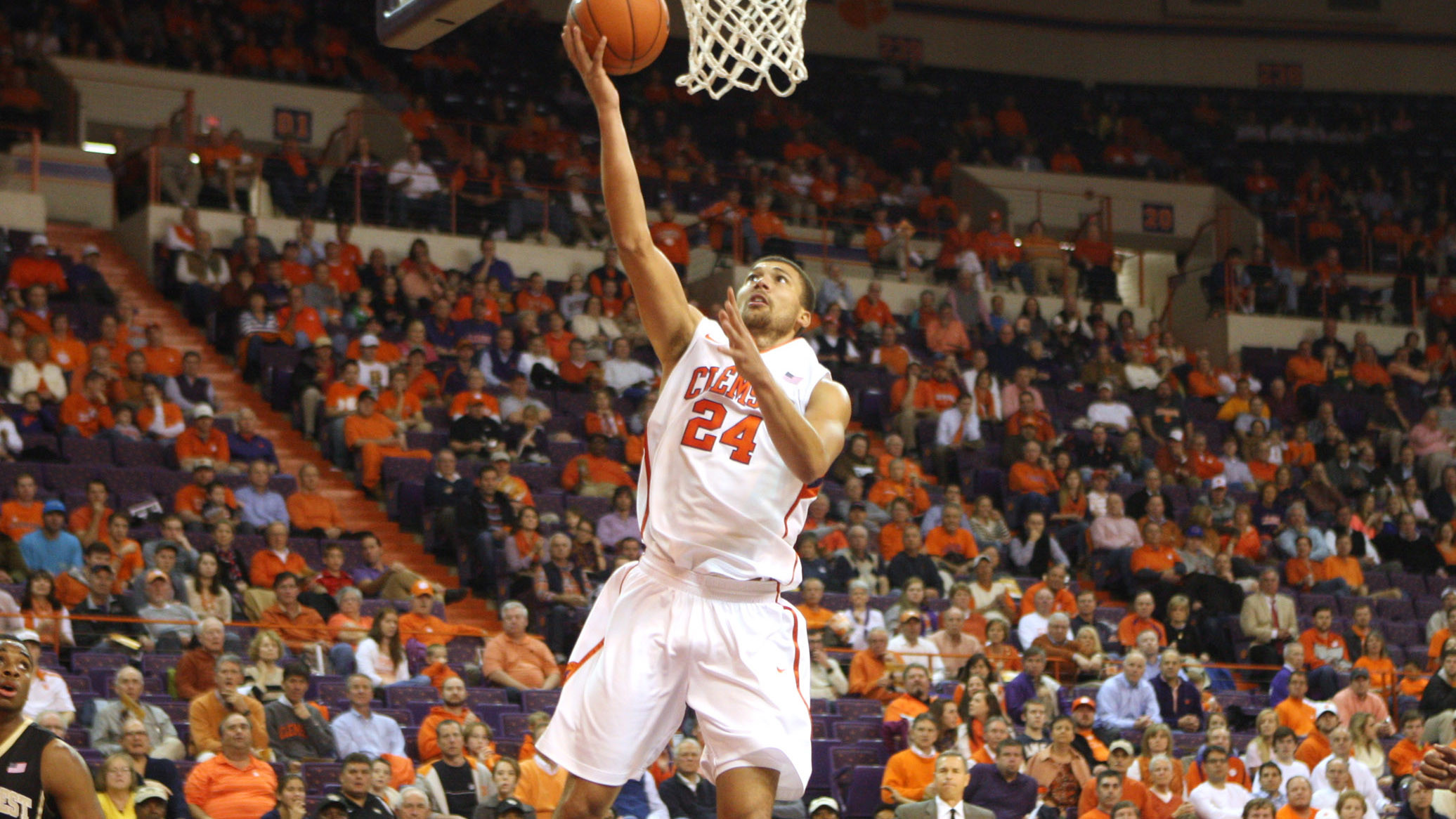 Tigers to Play Host to North Carolina Thursday