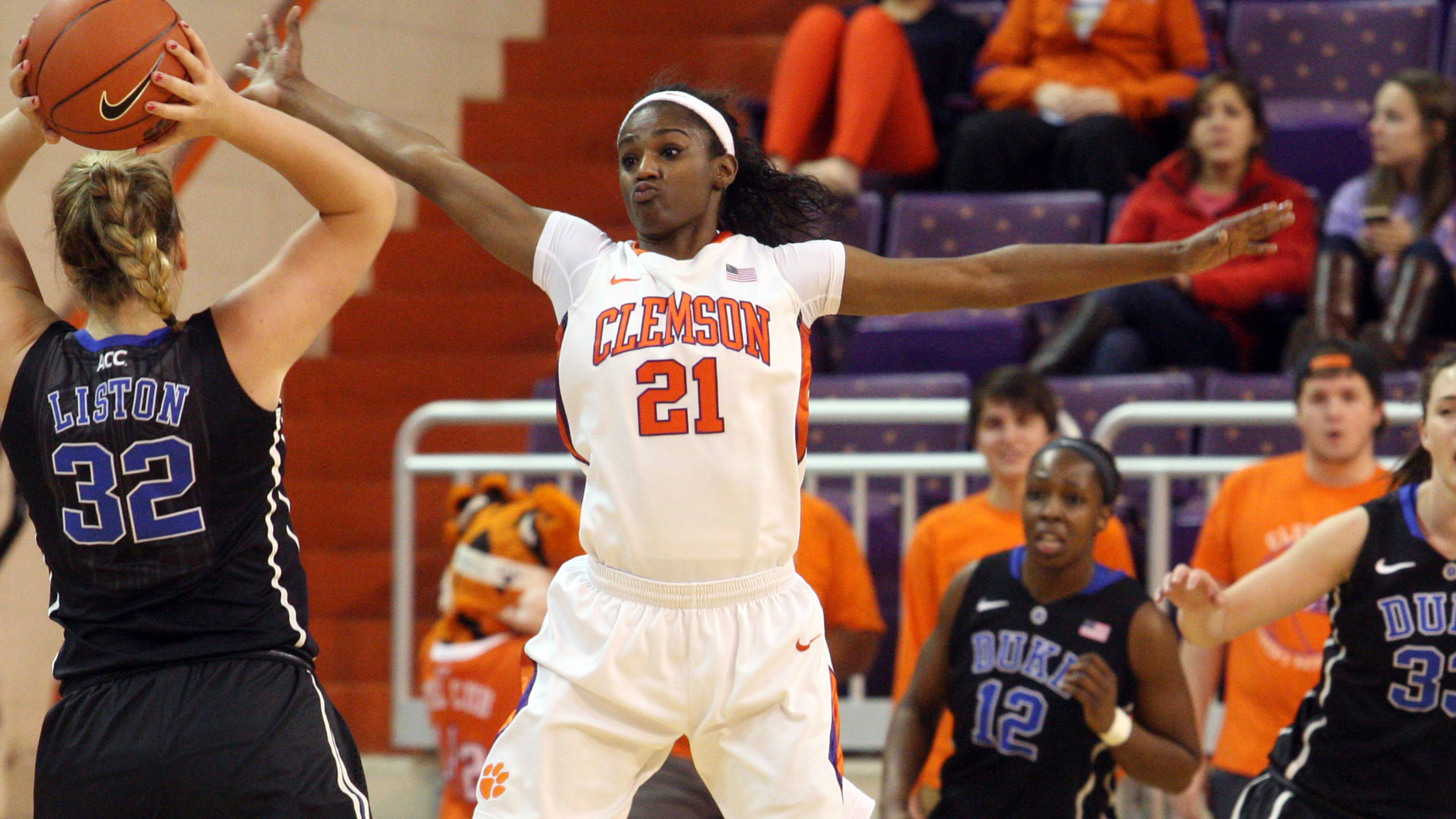 No. 10 Maryland Tops Clemson on Sunday