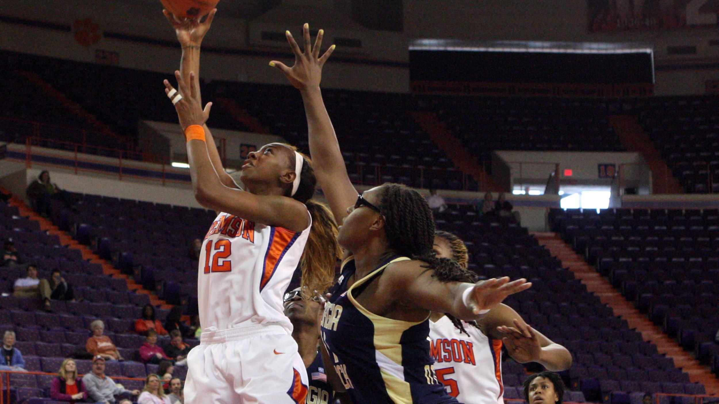Clemson Downs Virginia Tech, 47-37, in Blacksburg