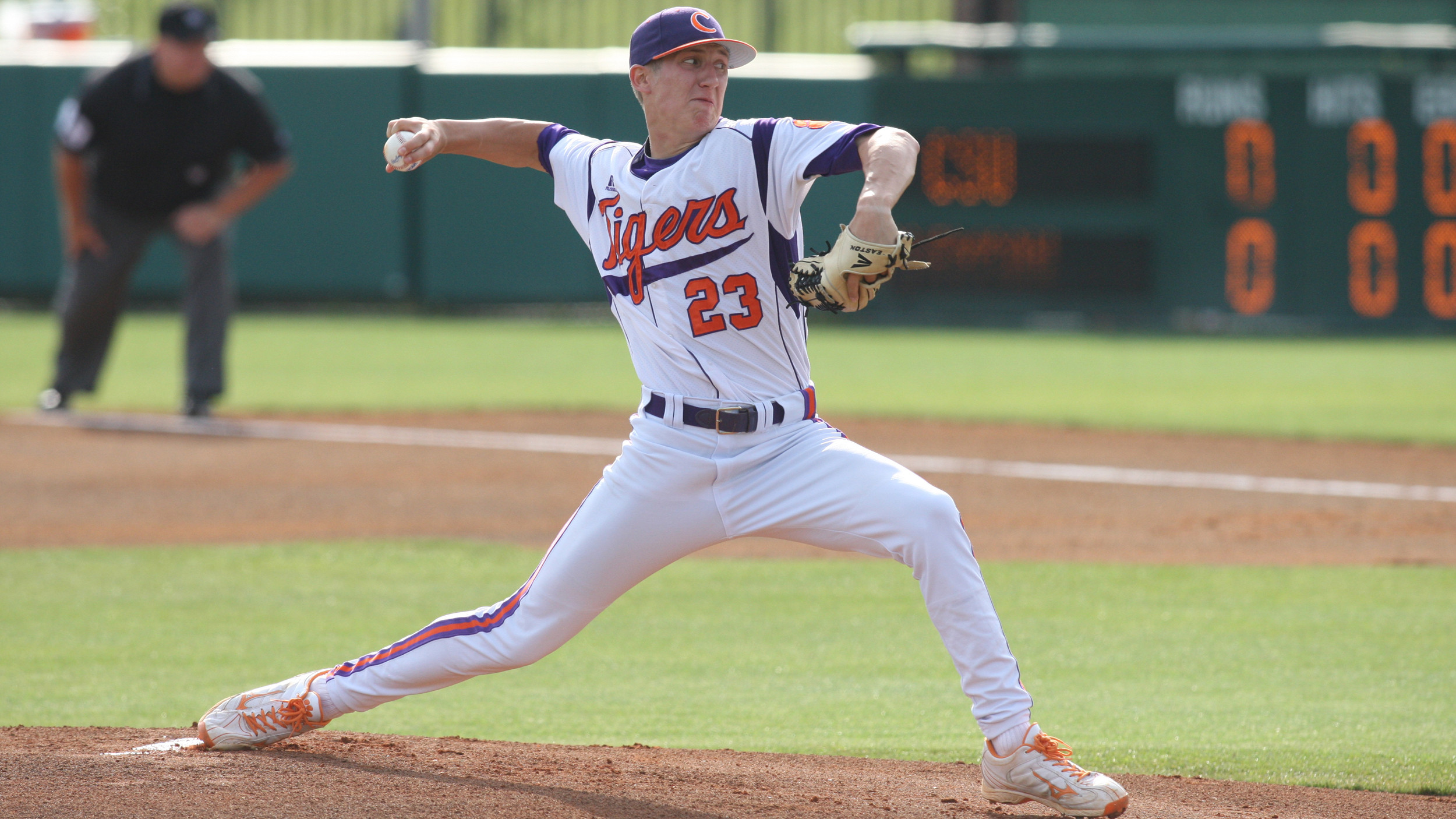 #13 Tigers Defeat #19 Yellow Jackets 11-3 in First Game of Doubleheader Friday