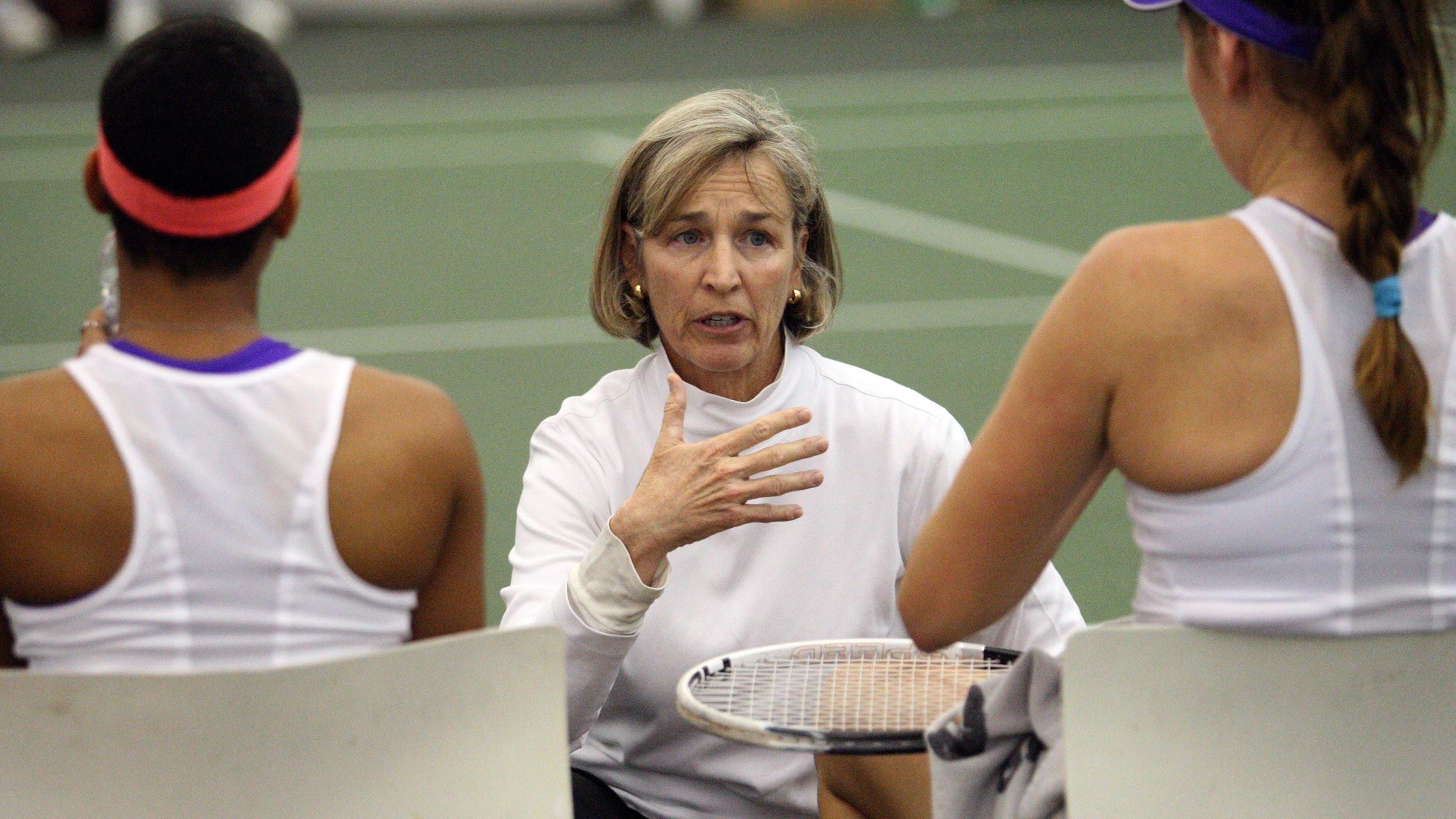 Women's Tennis Plays No. 4 Florida, No. 13 Stanford this Week