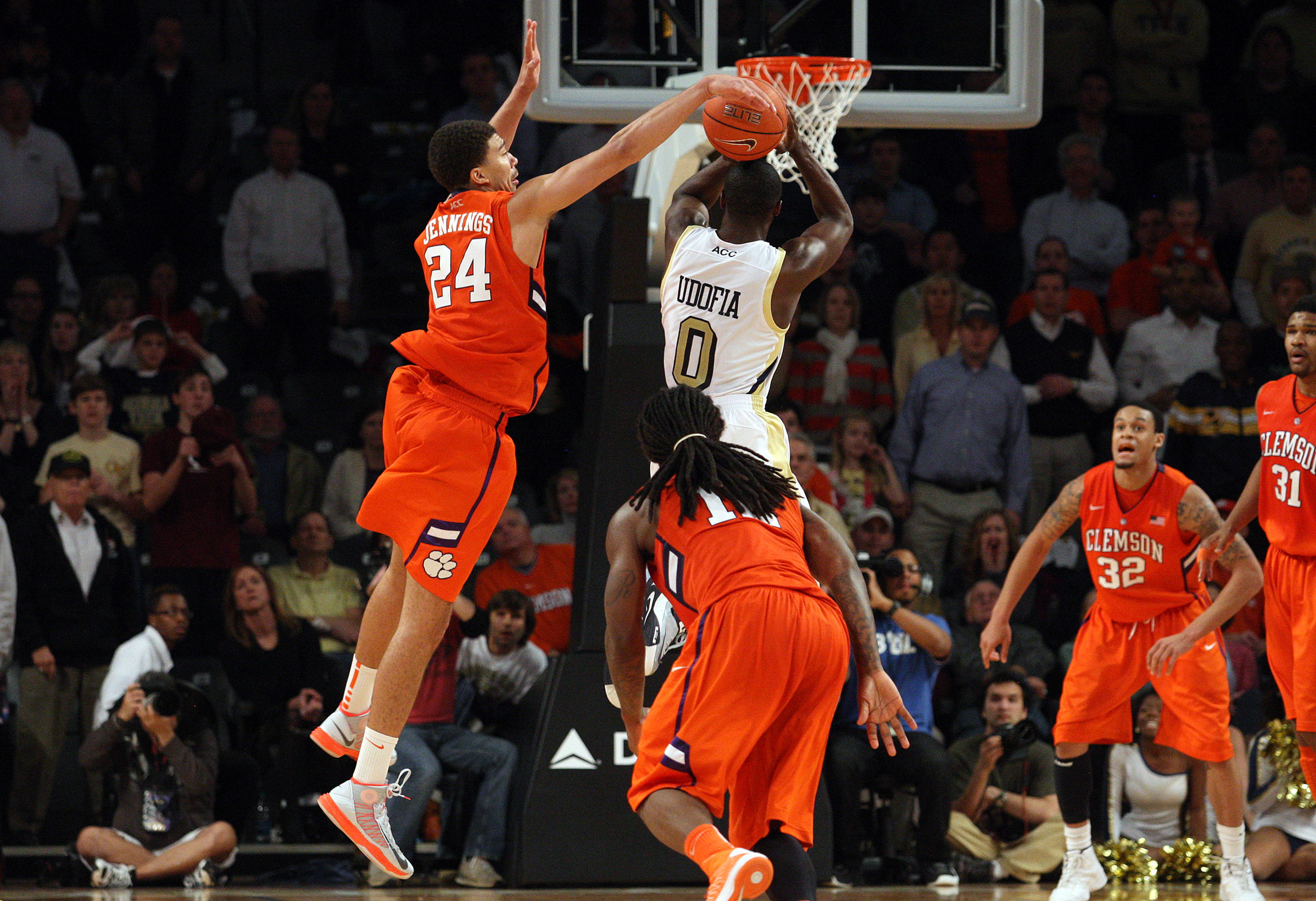Exclusive: Jennings Earns Redemption in Tigers' First ACC Road Win