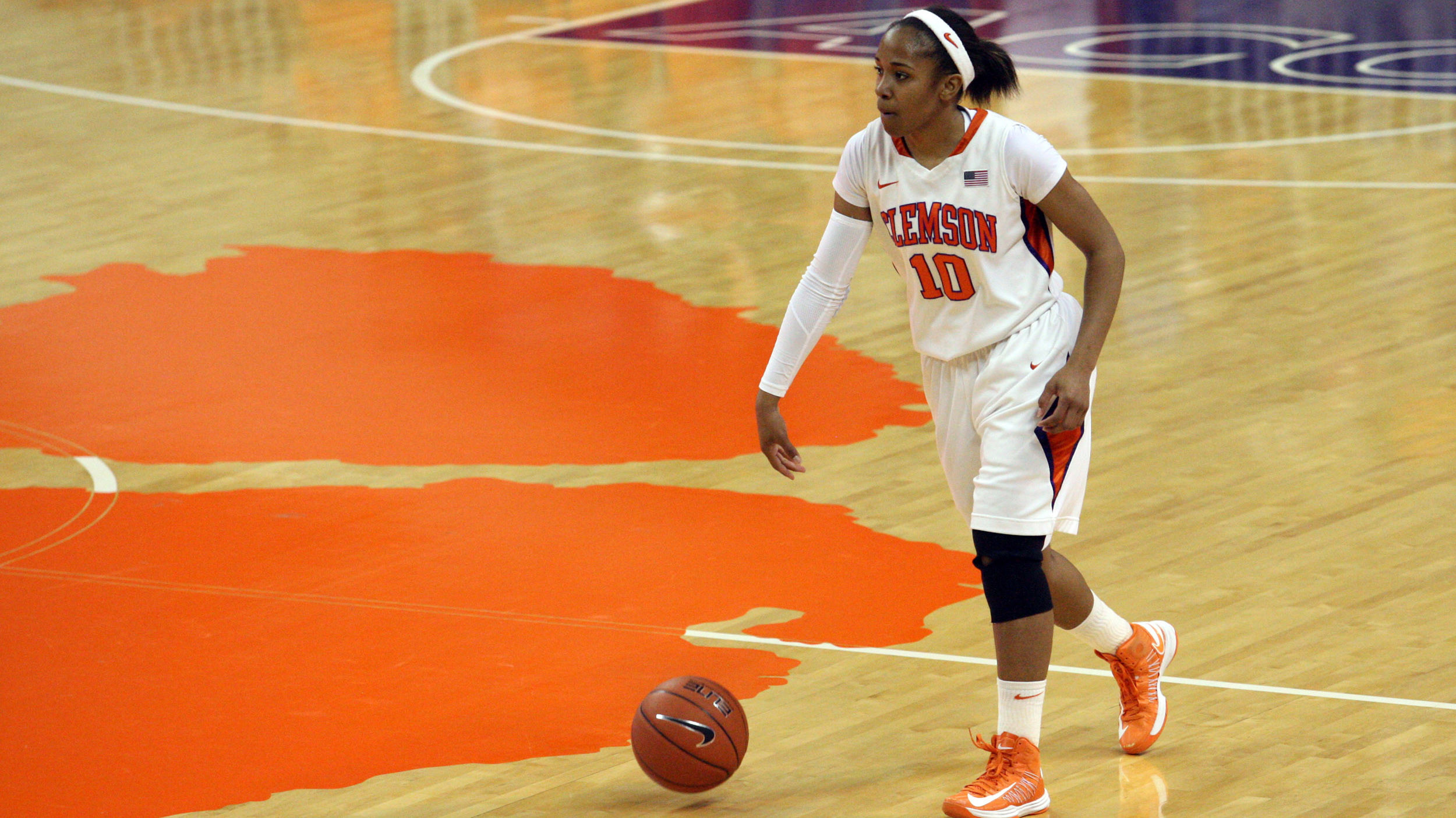Lady Tigers Hit the Road to Play No. 7/8 Maryland