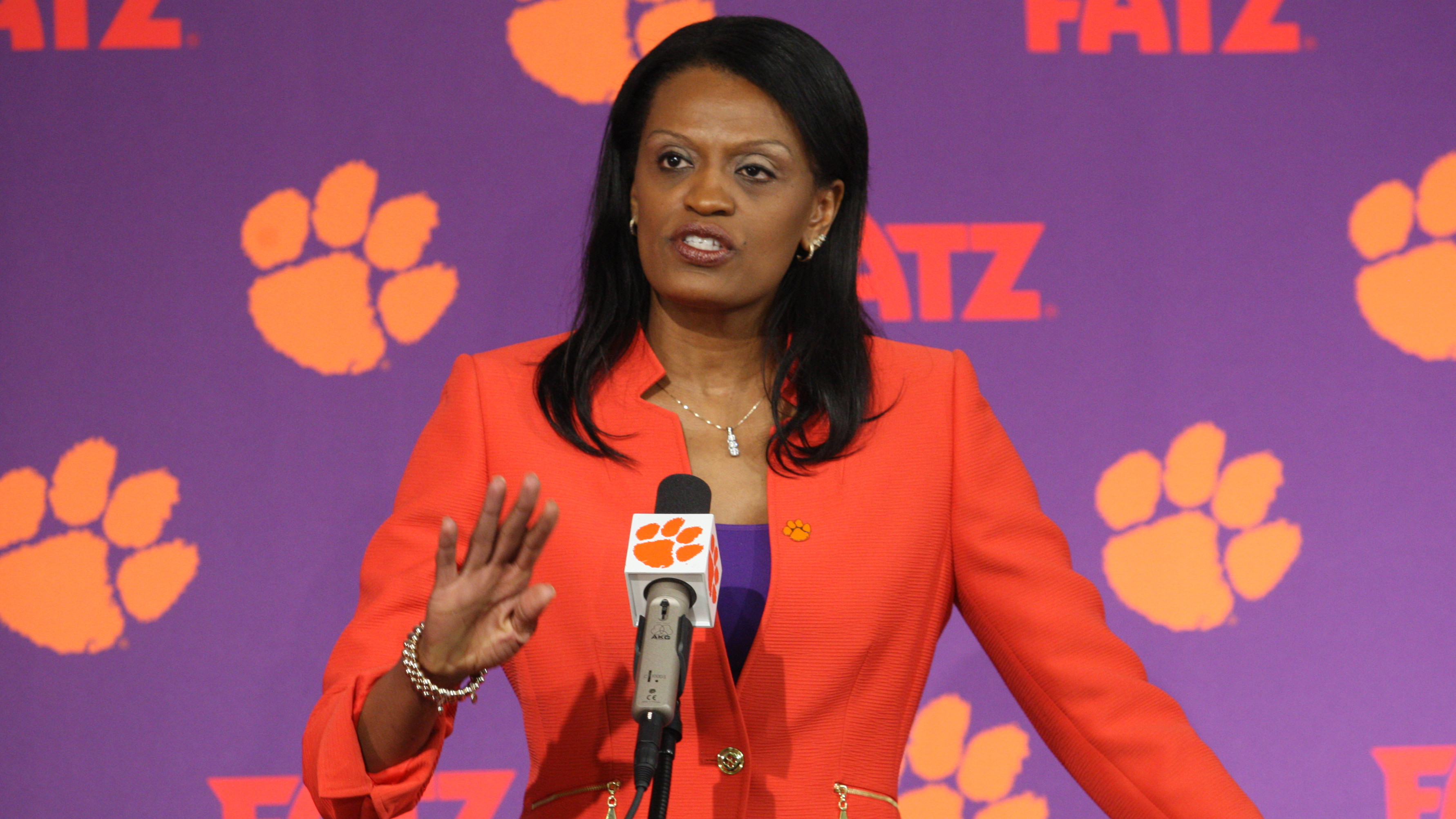 Smith Adds Three to Clemson Women?s Basketball Program