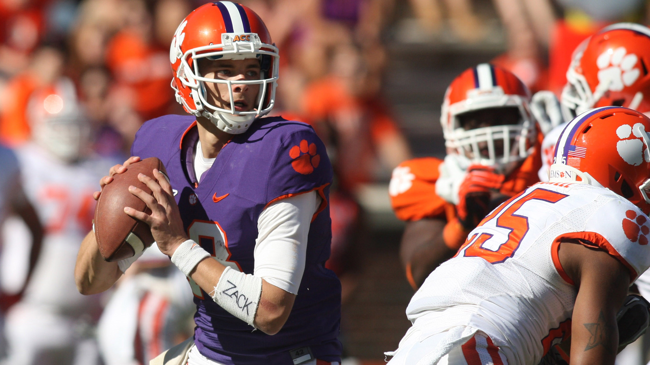 Orange Defeats White 34-26 in Clemson Spring Football Game