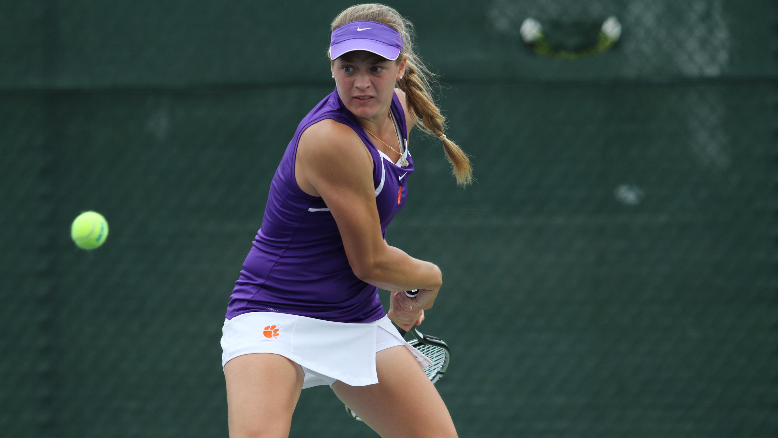 No. 13 Women?s Tennis Advances to NCAA Second Round
