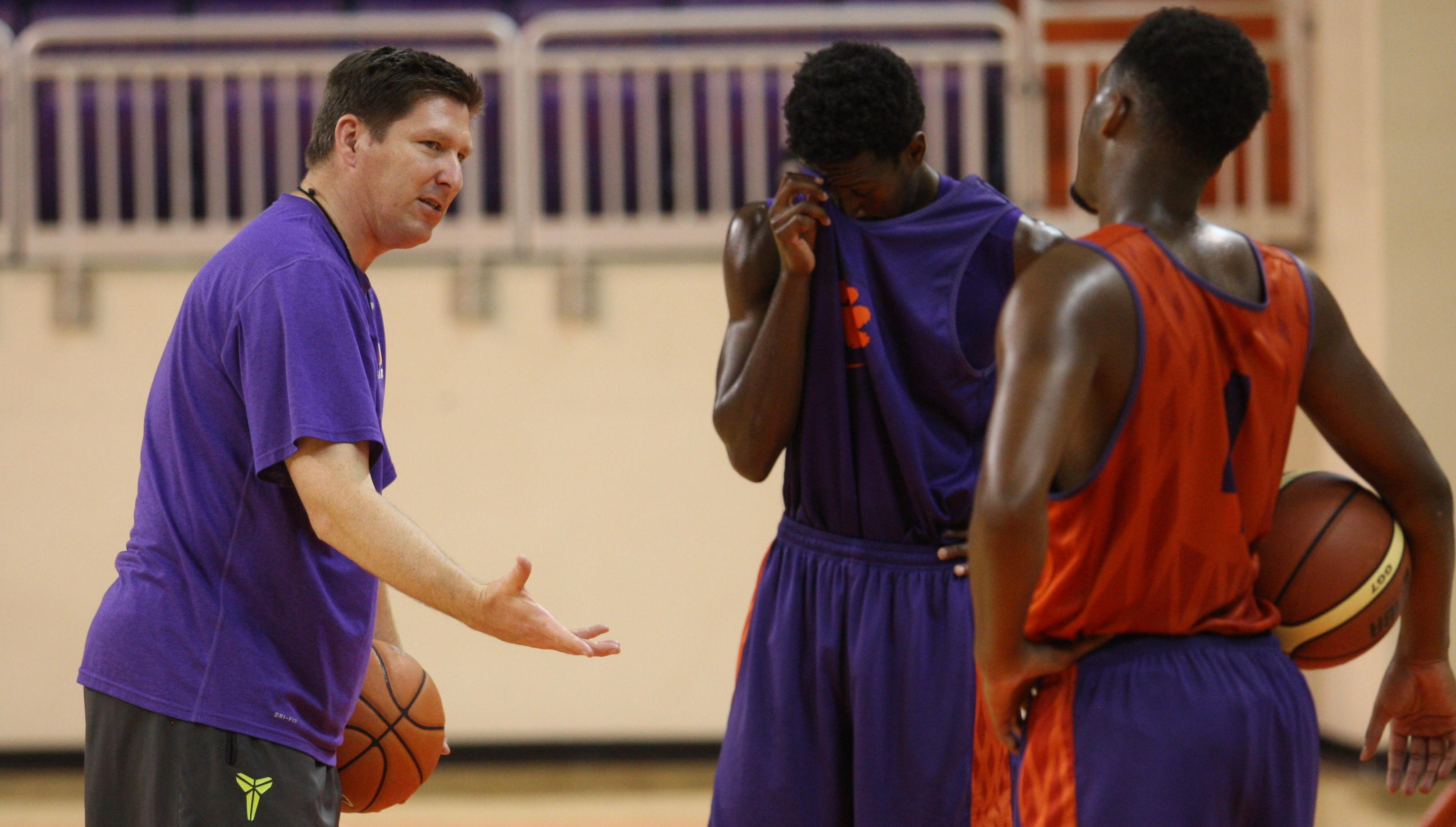 Exclusive: European Excursion Ushers in ?New Generation of Clemson Basketball'