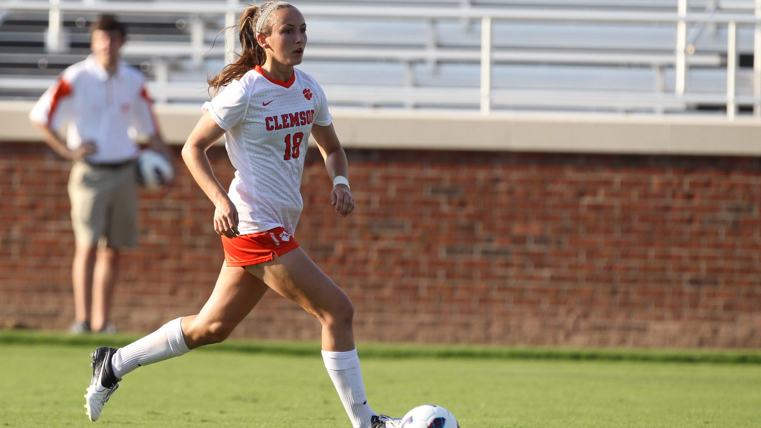 EXCLUSIVE: Freshmen Making Instant Impact for Women's Soccer Team