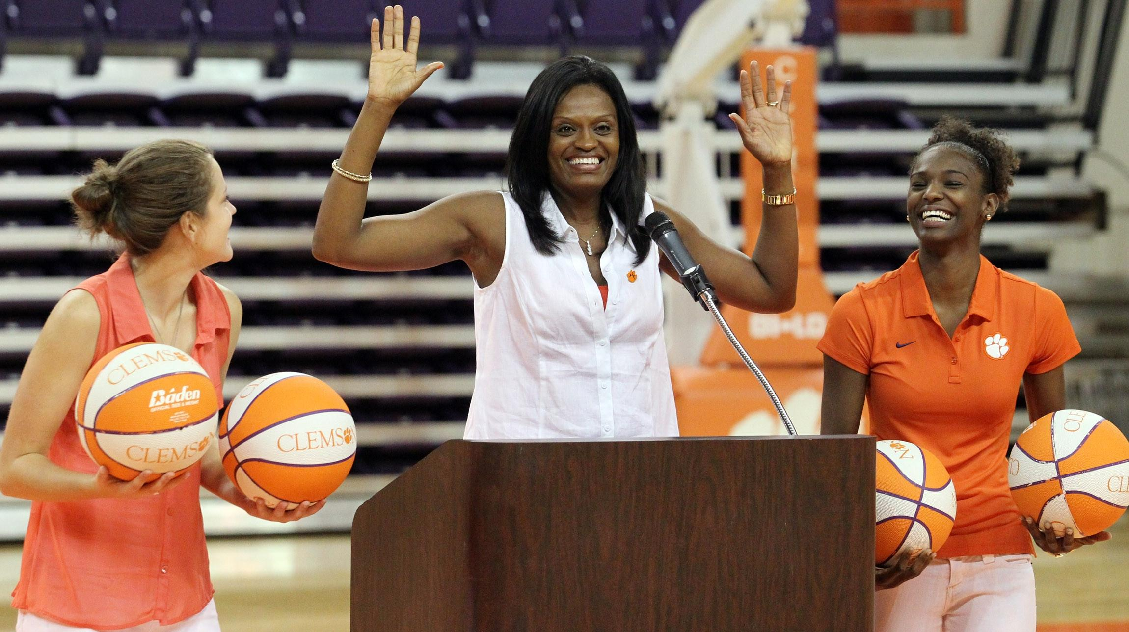 Event Gives New Students a Tutorial on Clemson Athletics