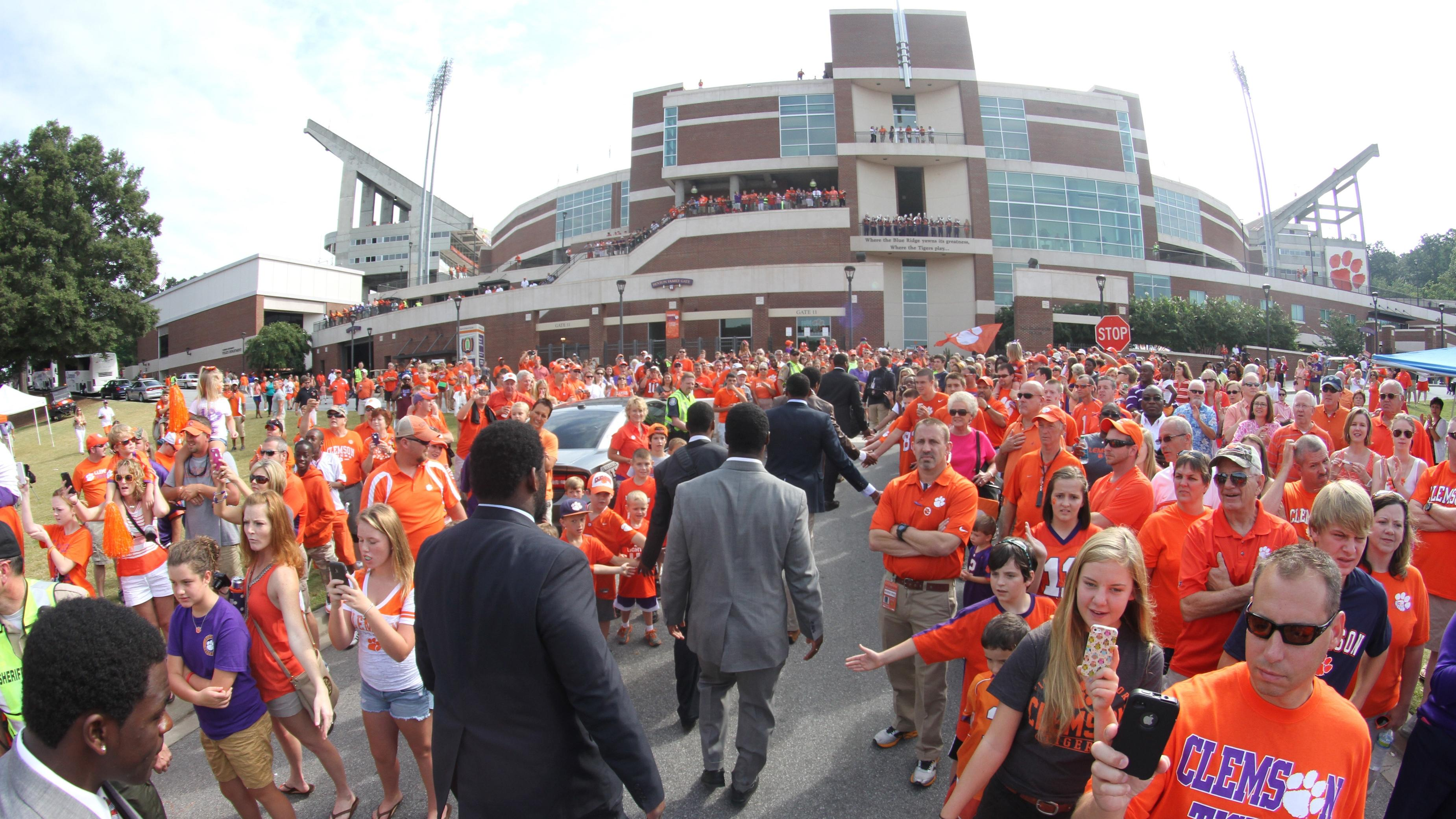 Clemson Football Video: Death Valley Live, Oct. 5