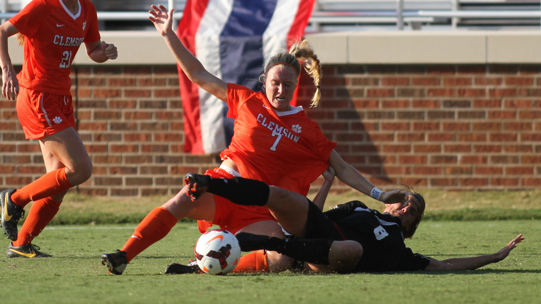 EXCLUSIVE: Padgett Excelling on Both Ends of the Pitch as a Senior