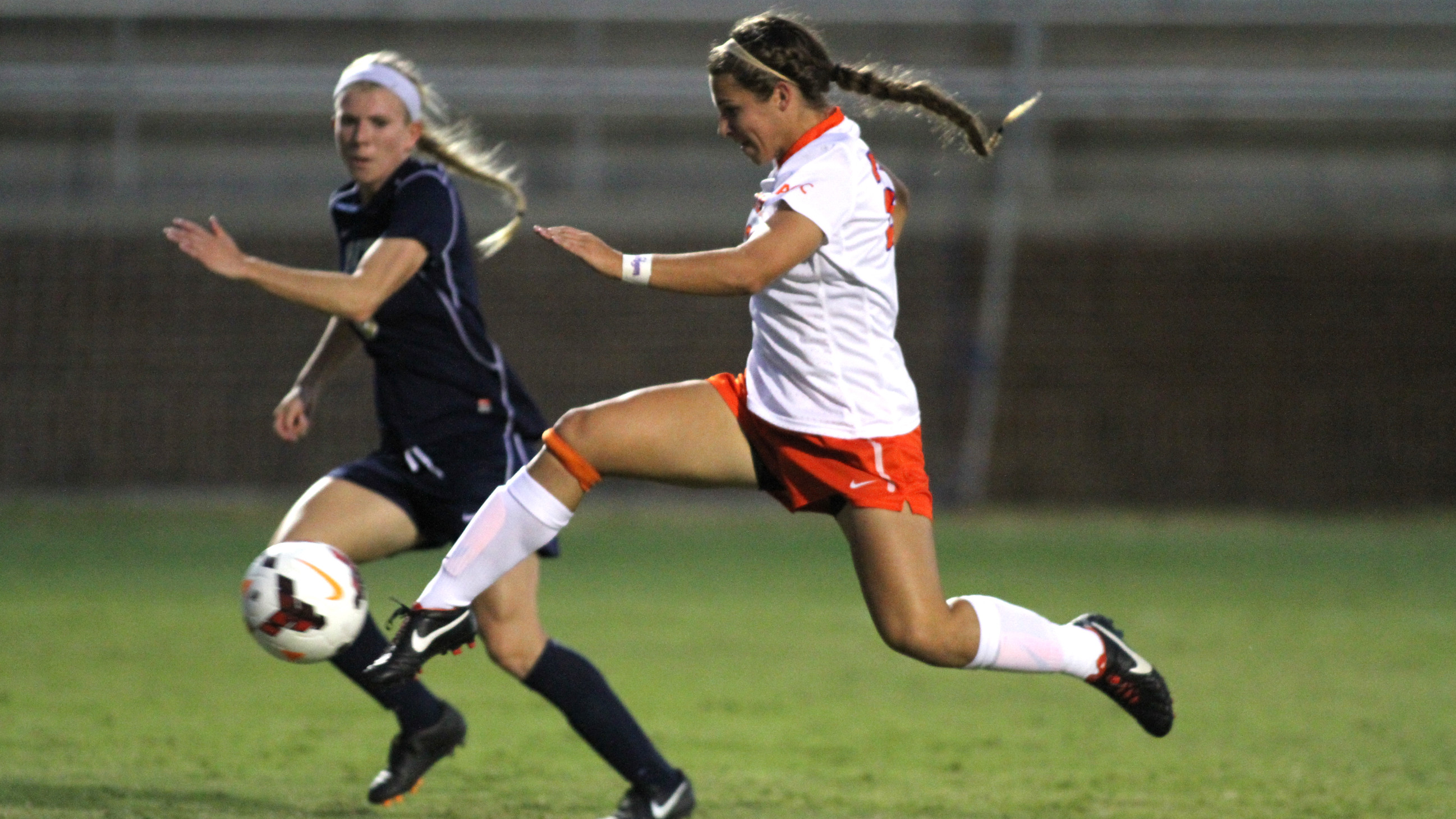 Tigers to Take on Third-Ranked Seminoles Sunday at Historic Riggs Field