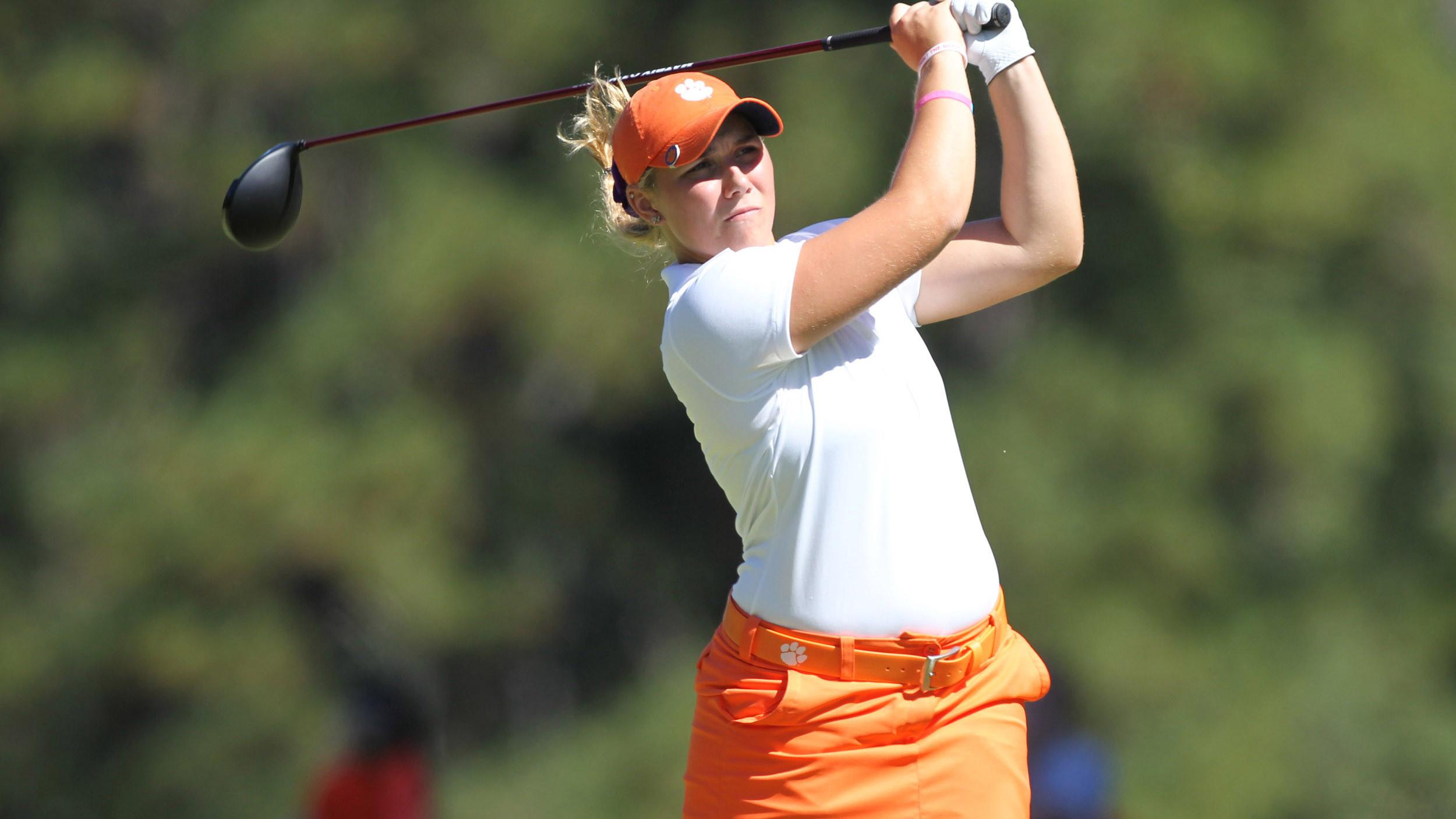 Women's Golf Wraps Up Round 1 in Wilmington