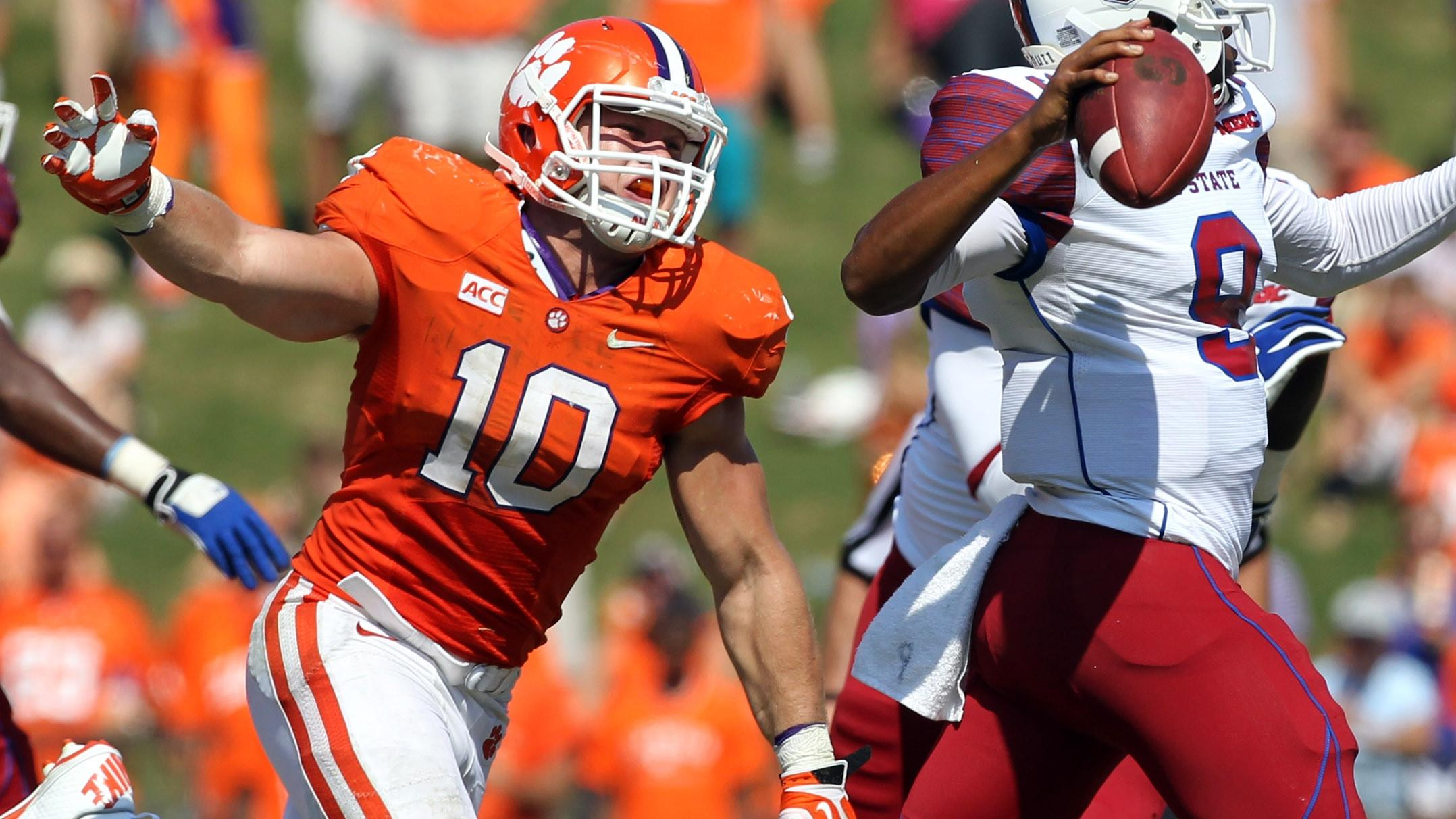 Clemson Football Video Report: 100 Yards with Ben Boulware