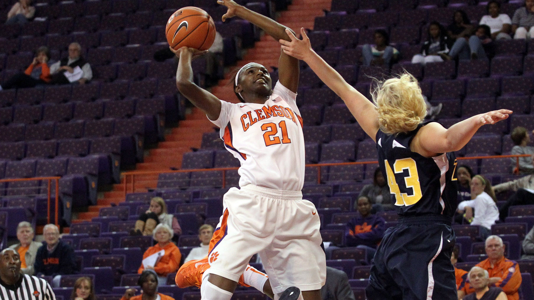 @ClemsonWBB To Hold Final Exhibition Sunday at 2 pm