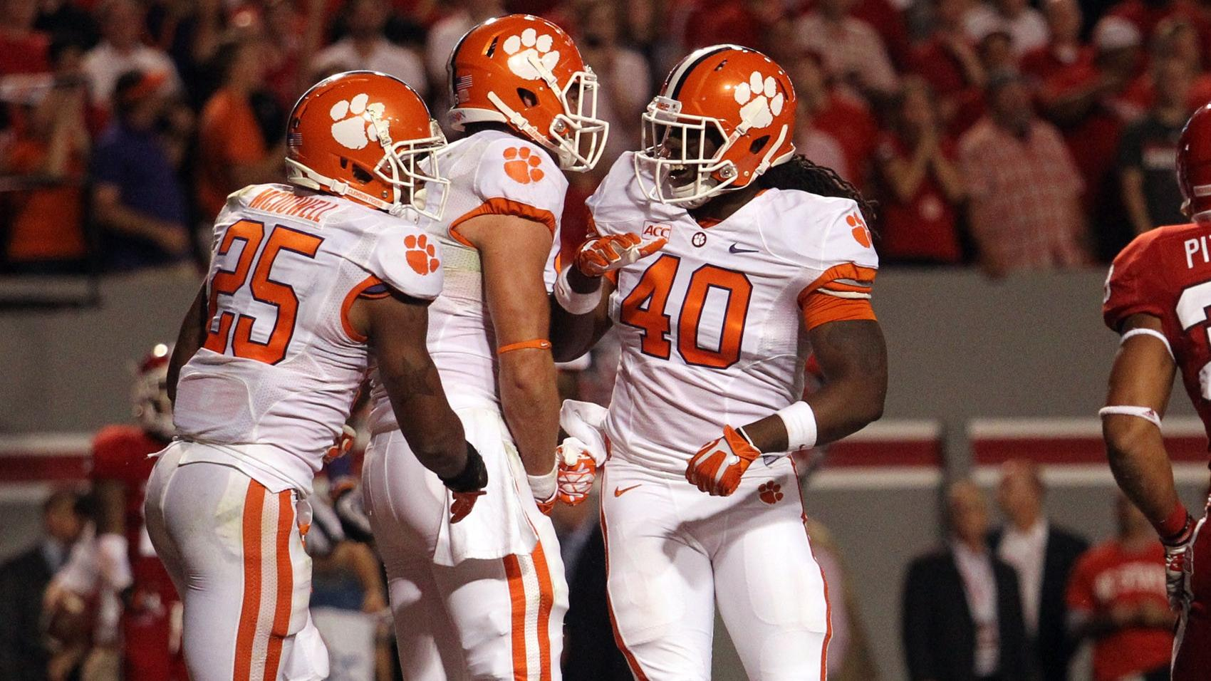 Clemson Football Video Report: 100 Yards with Darrell Smith