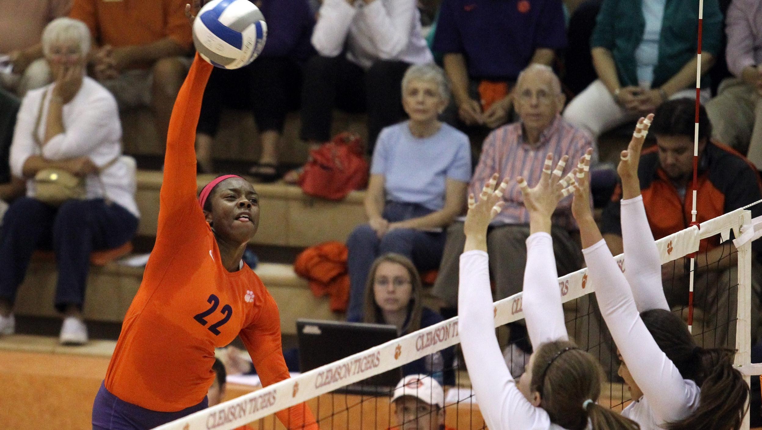 Syracuse Tops @ClemsonVB in Four on Sunday