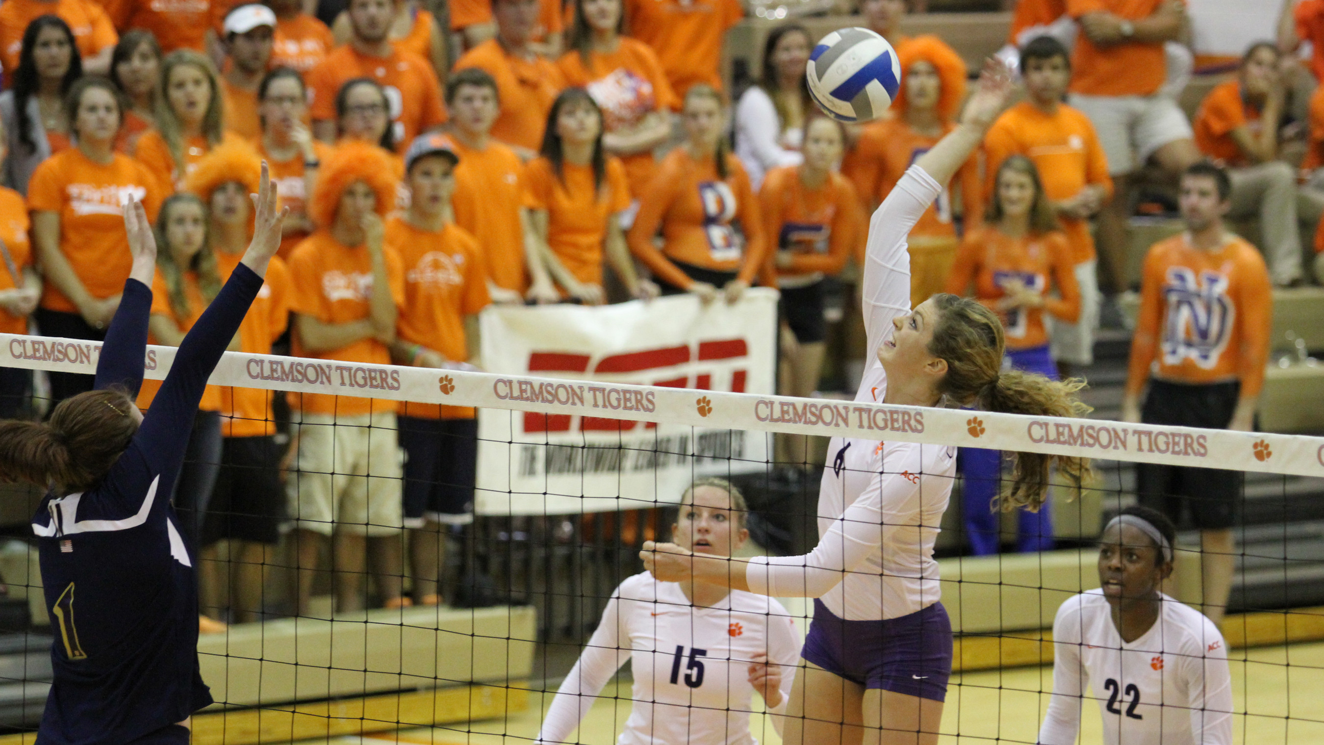 @ClemsonVB Roars Past Boston College in Three Sets