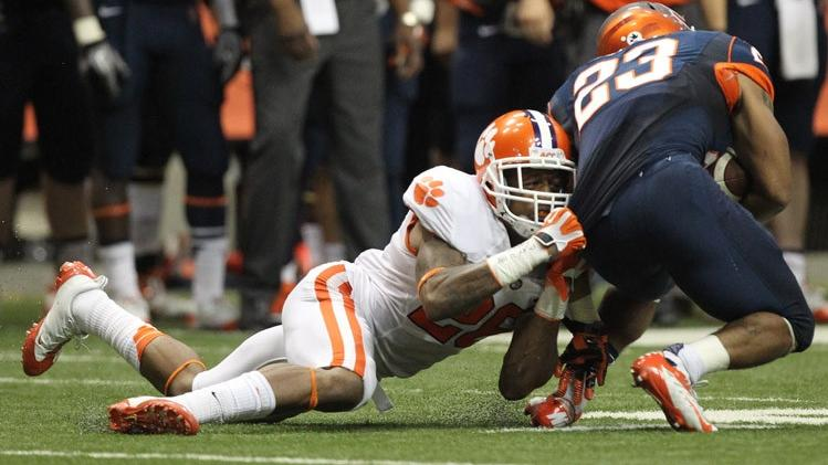 Clemson Football Video Report: 100 Yards with Garry Peters