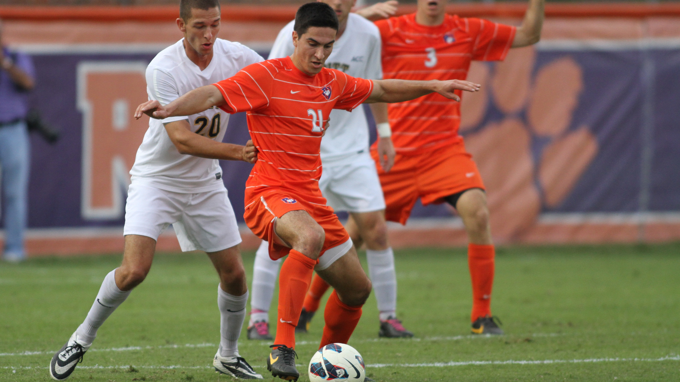#14 Clemson Will Play Host to Boston College Friday Night