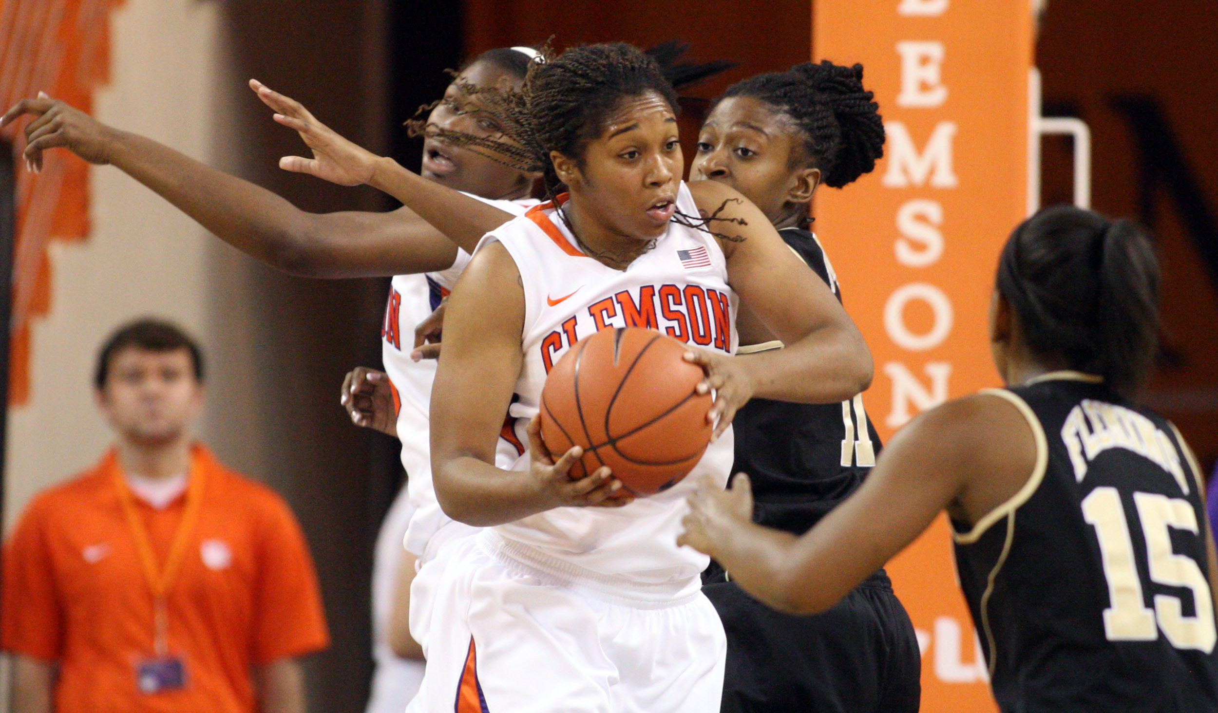 Matadors Top @ClemsonWBB in Littlejohn on Sunday
