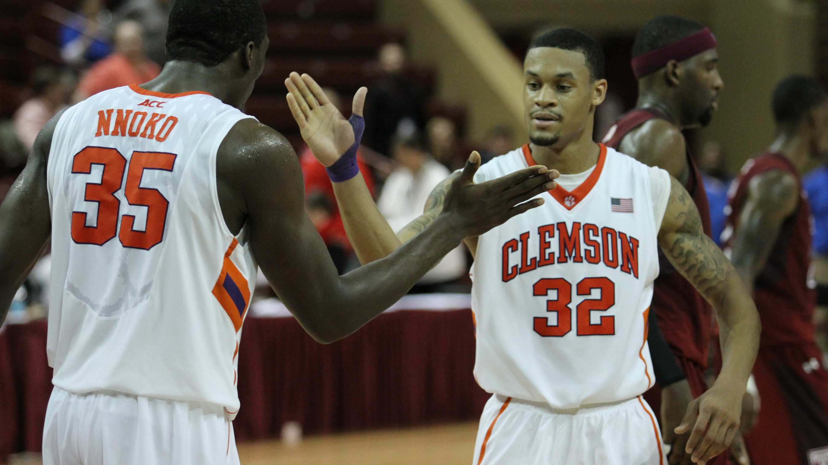 Clemson Rallies from 12 Down, Beats Temple 72-58 in Opening Round of Charleston Classic