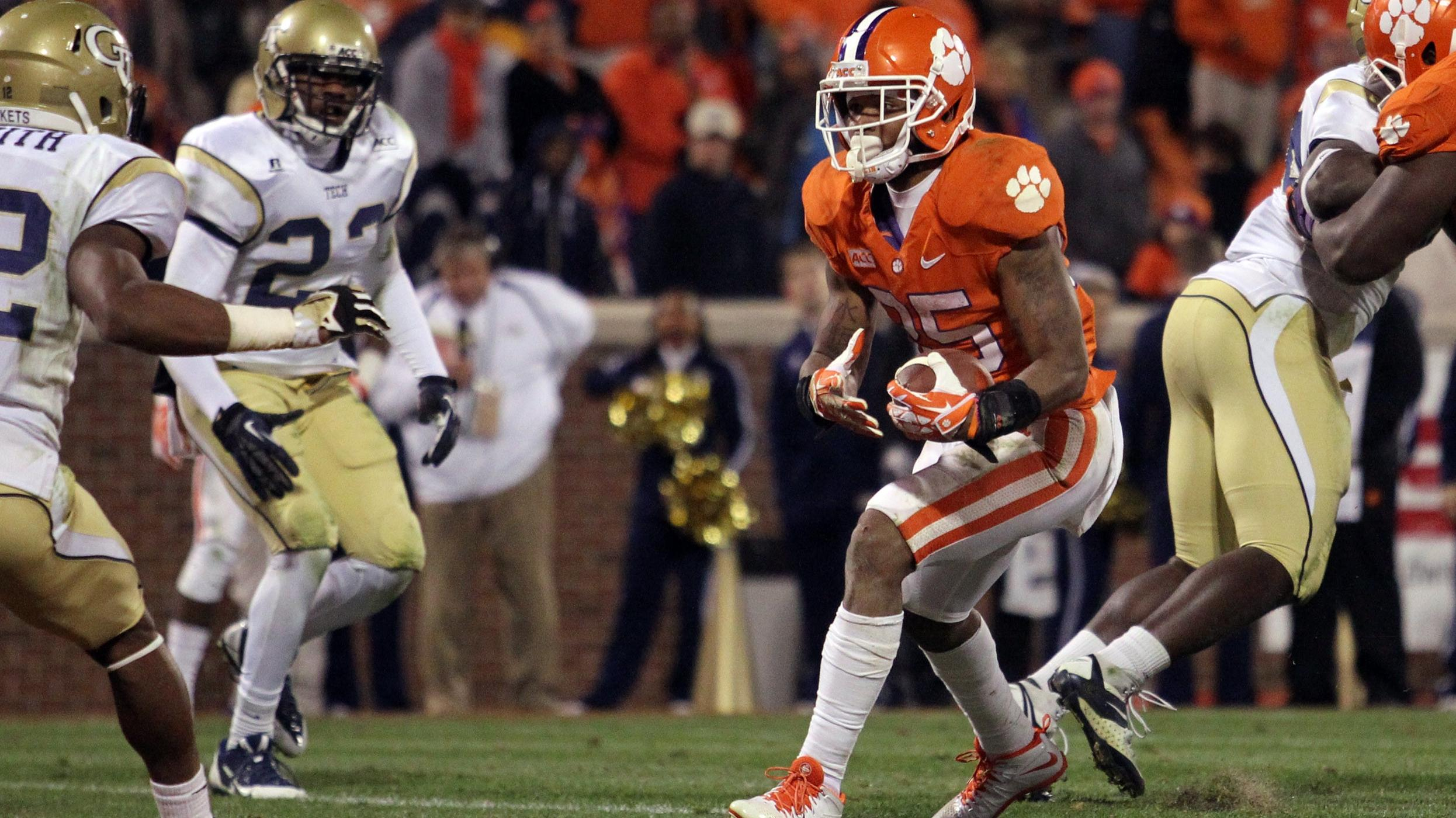 Clemson at South Carolina Football Game to Kick Off at 7 PM on Nov. 30