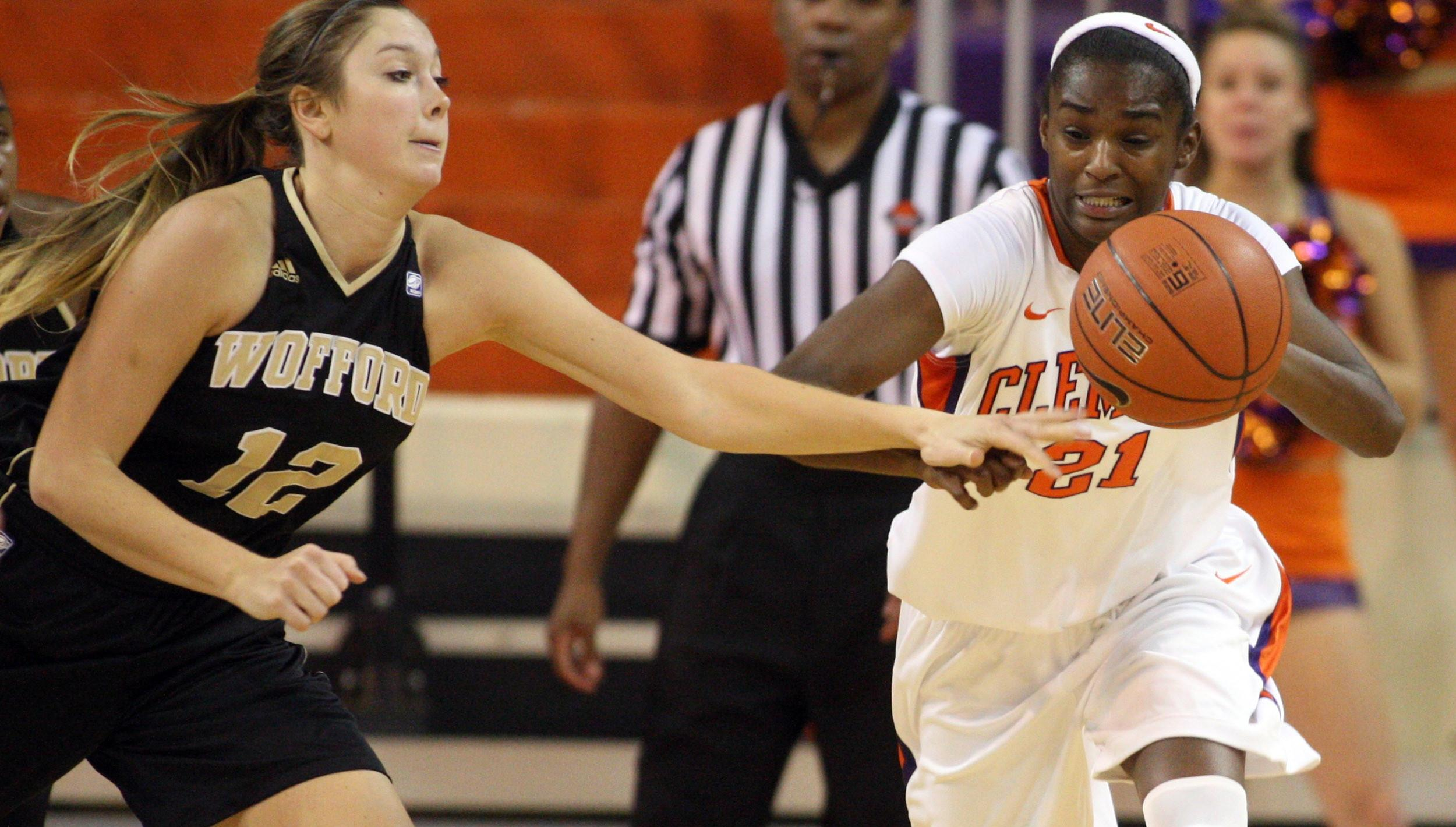 @ClemsonWBB Falls to Middle Tennessee on Sunday