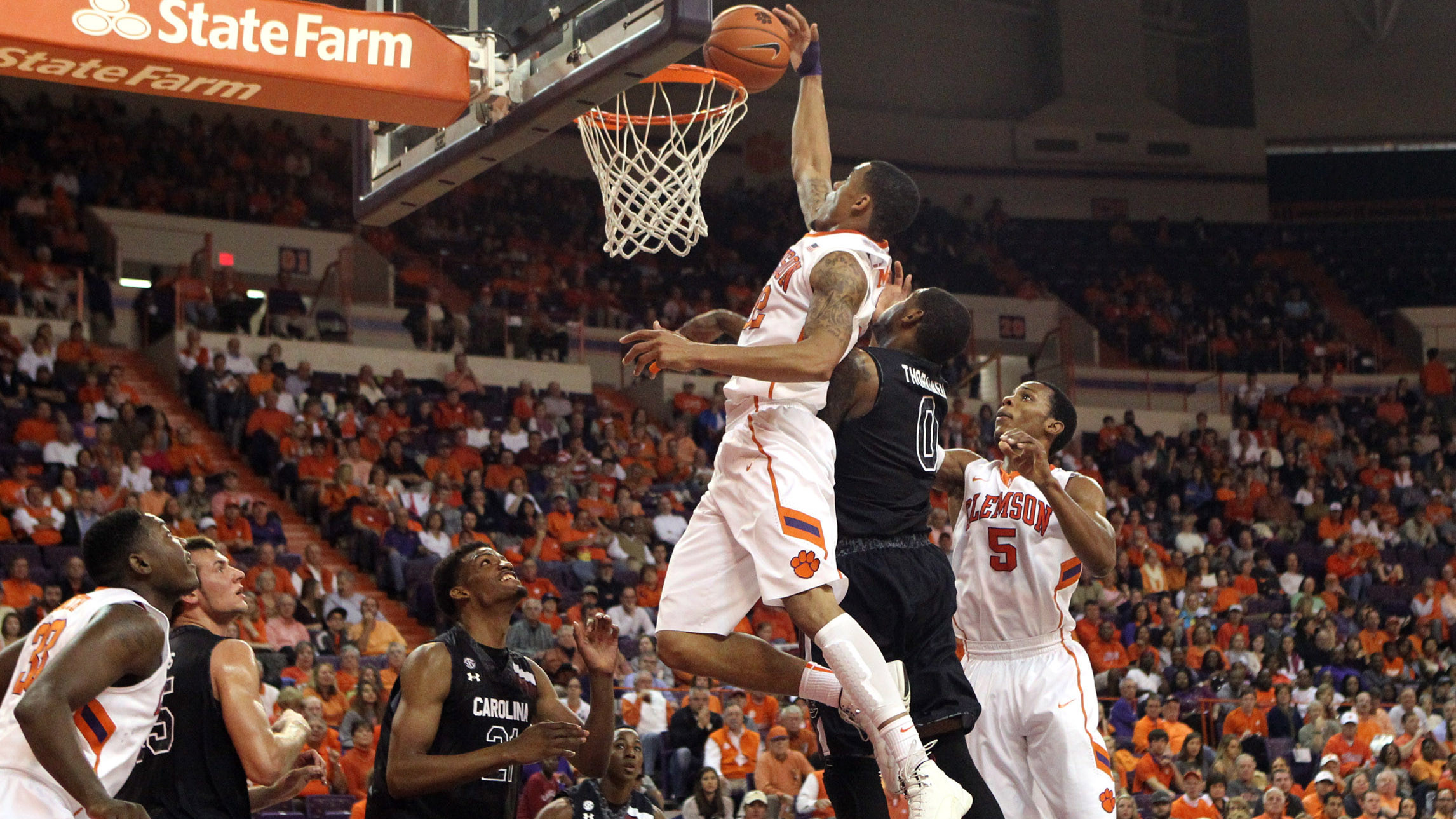 Clemson Takes Down Archrival South Carolina on Sunday, 71-57