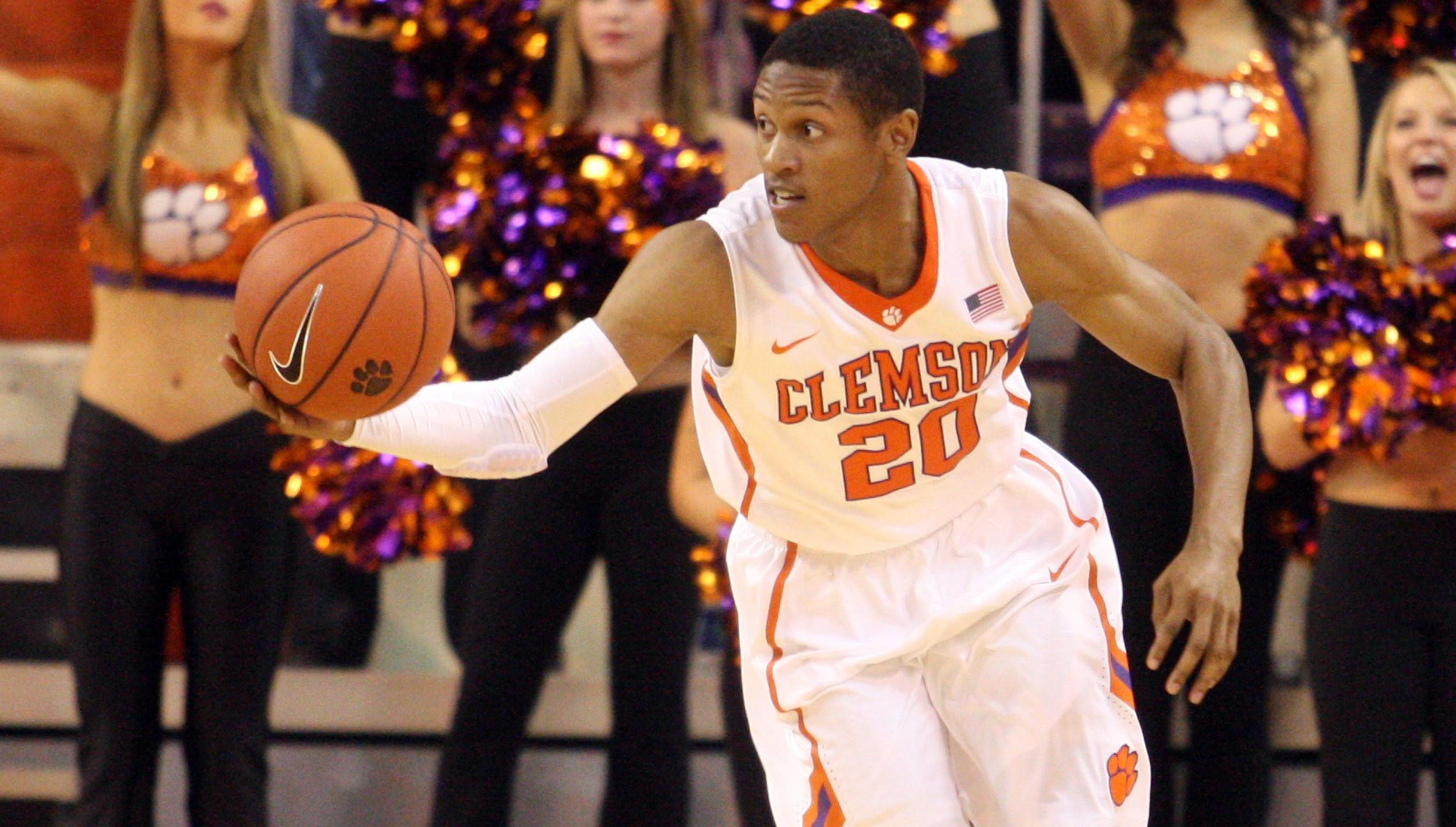 Tigers to Face South Carolina Sunday at Littlejohn Coliseum
