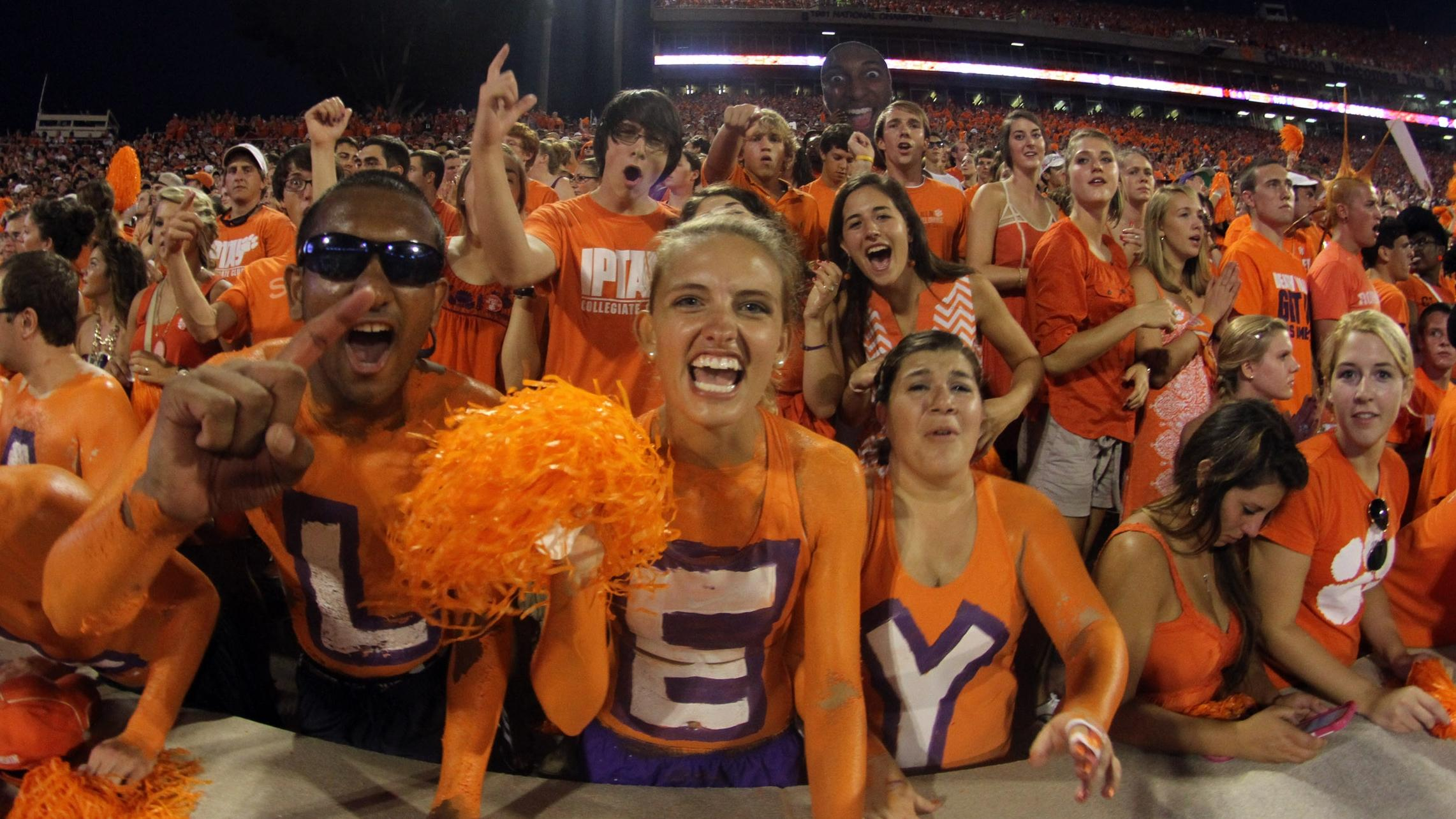 Low-Price Option for Student Travel Package to @OrangeBowl