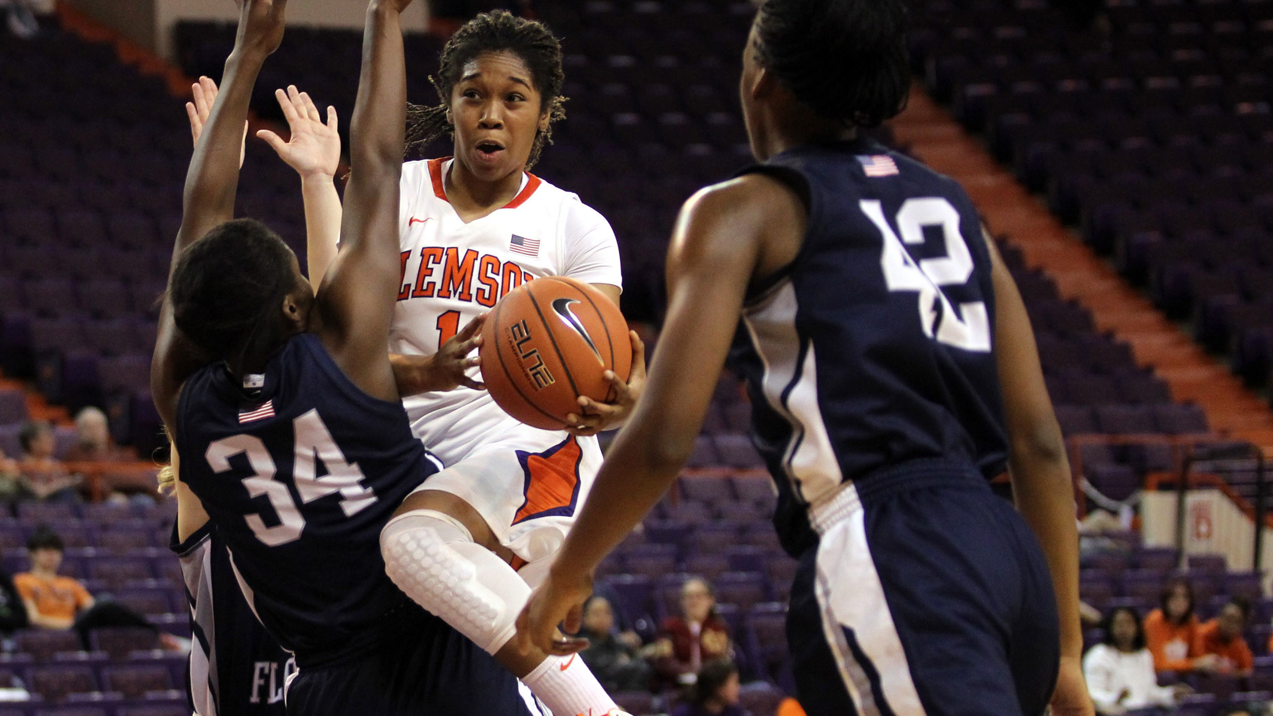 @ClemsonWBB Holds on for 56-52 Win Over Creighton