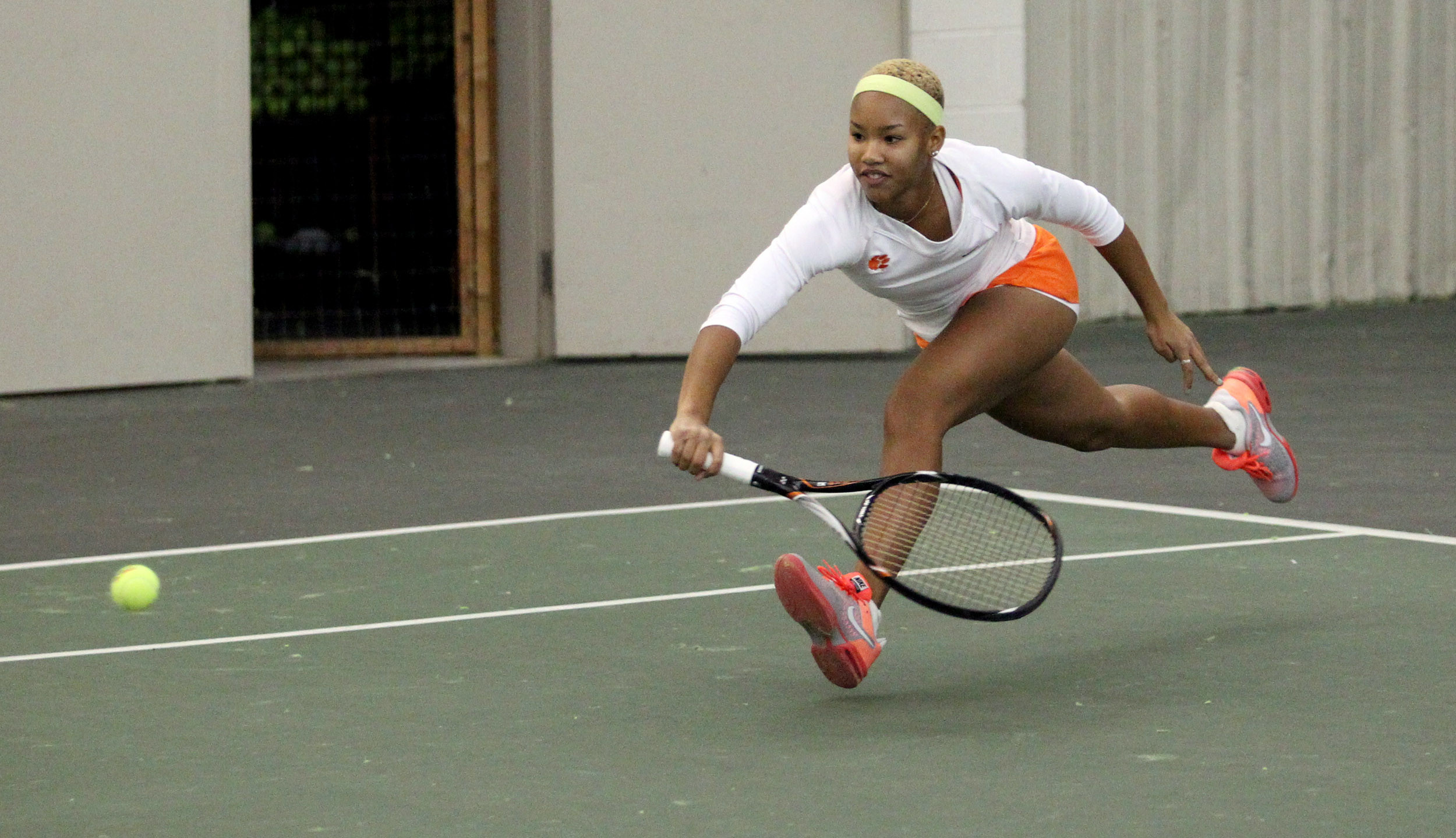 No. 13 @ClemsonWTennis Opens 2014 with a Pair of Victories