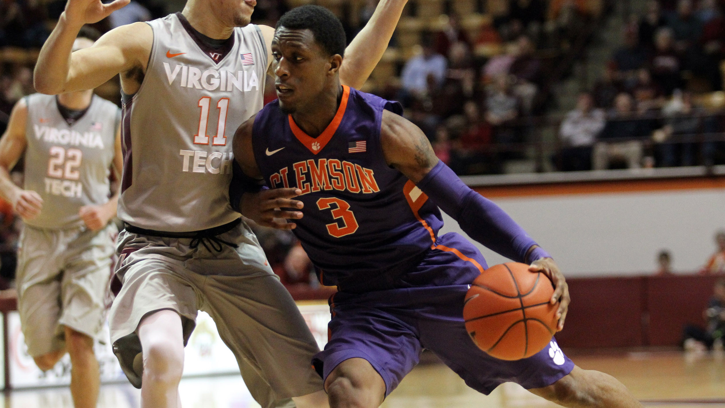 Tigers to Face Notre Dame On the Road Tuesday