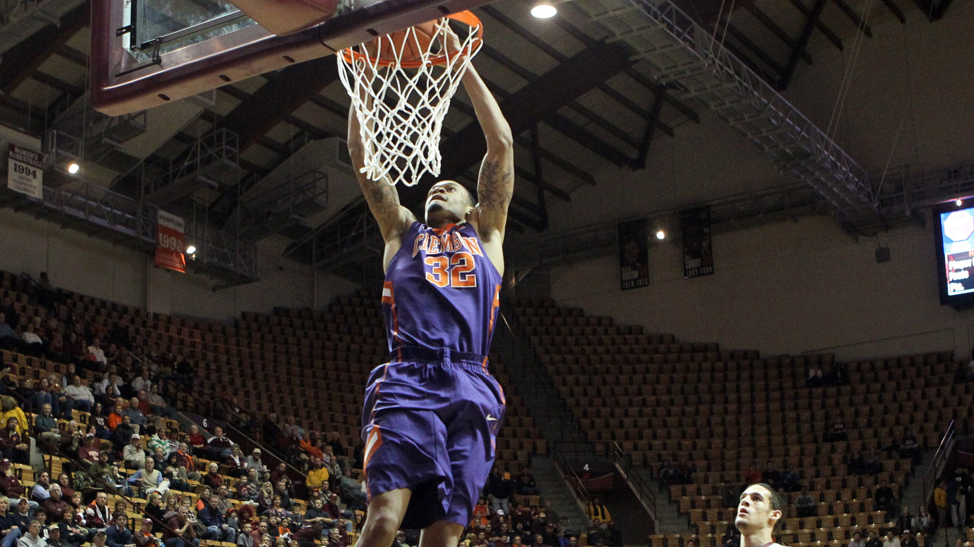 Clemson Grabs Second Straight Road Win, 56-49 at Virginia Tech