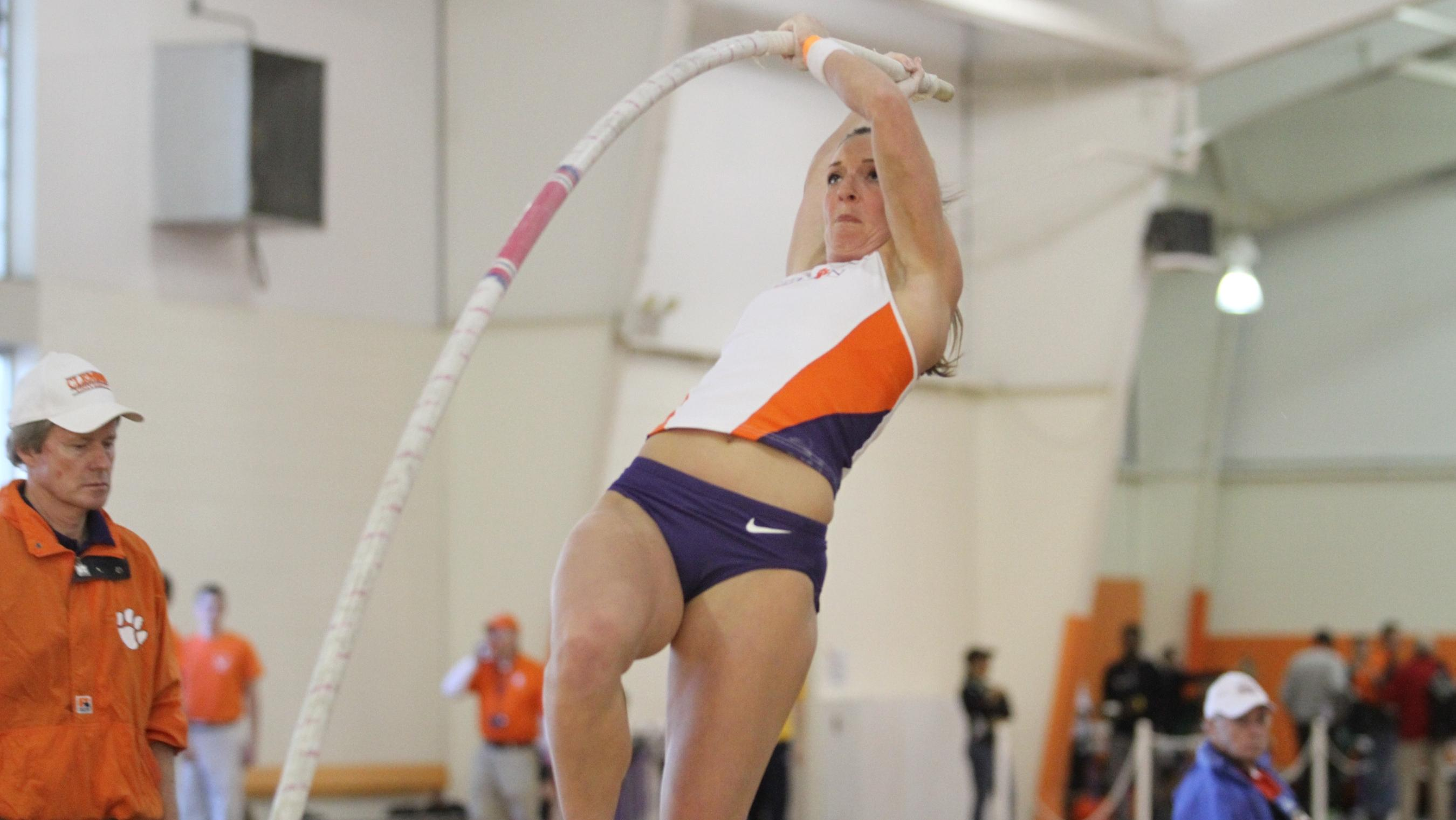 Jumpers Lead on Day One of Bob Pollock Classic