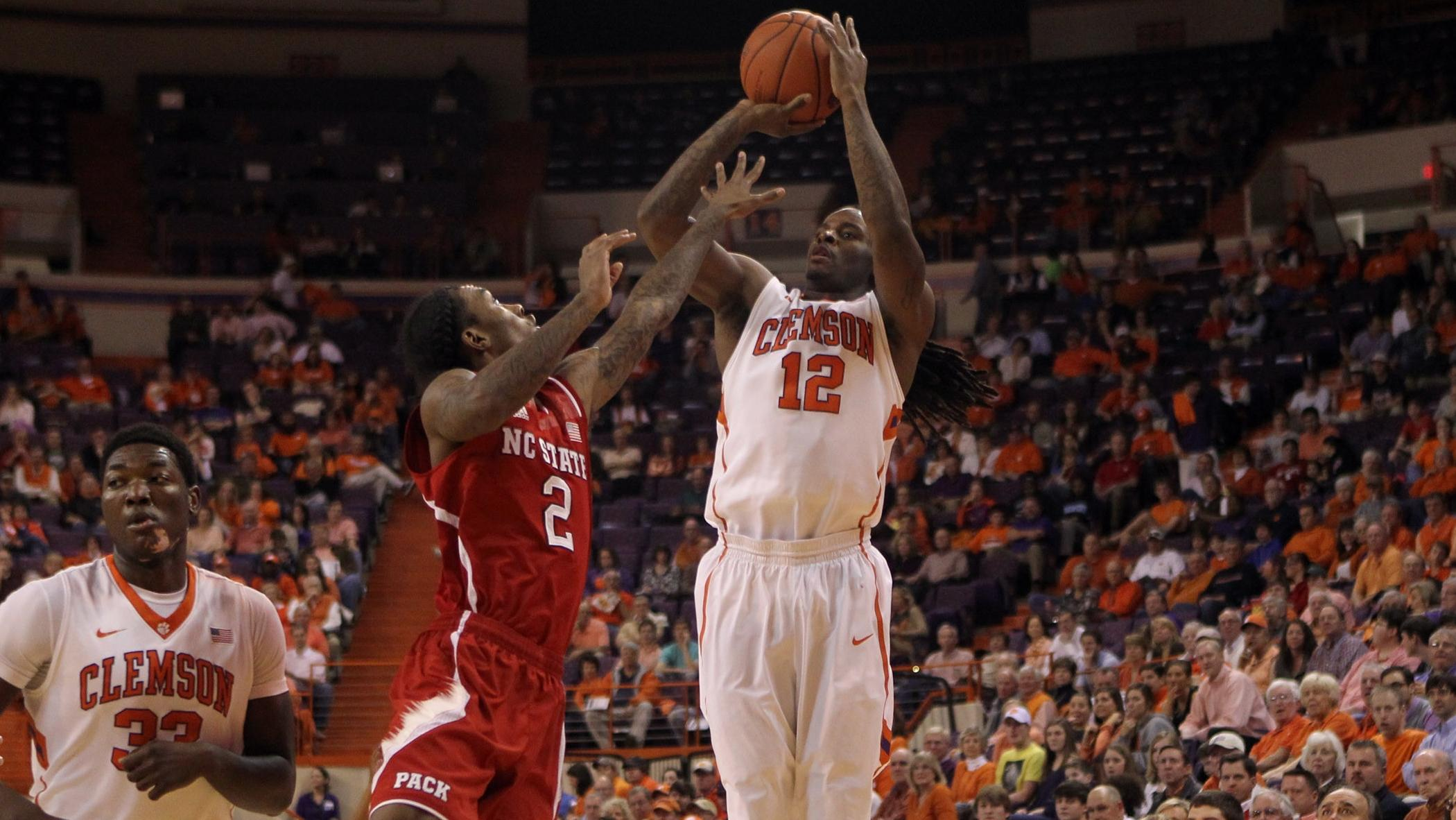 EXCLUSIVE: Hall's Confidence Turns Contagious against Wolfpack